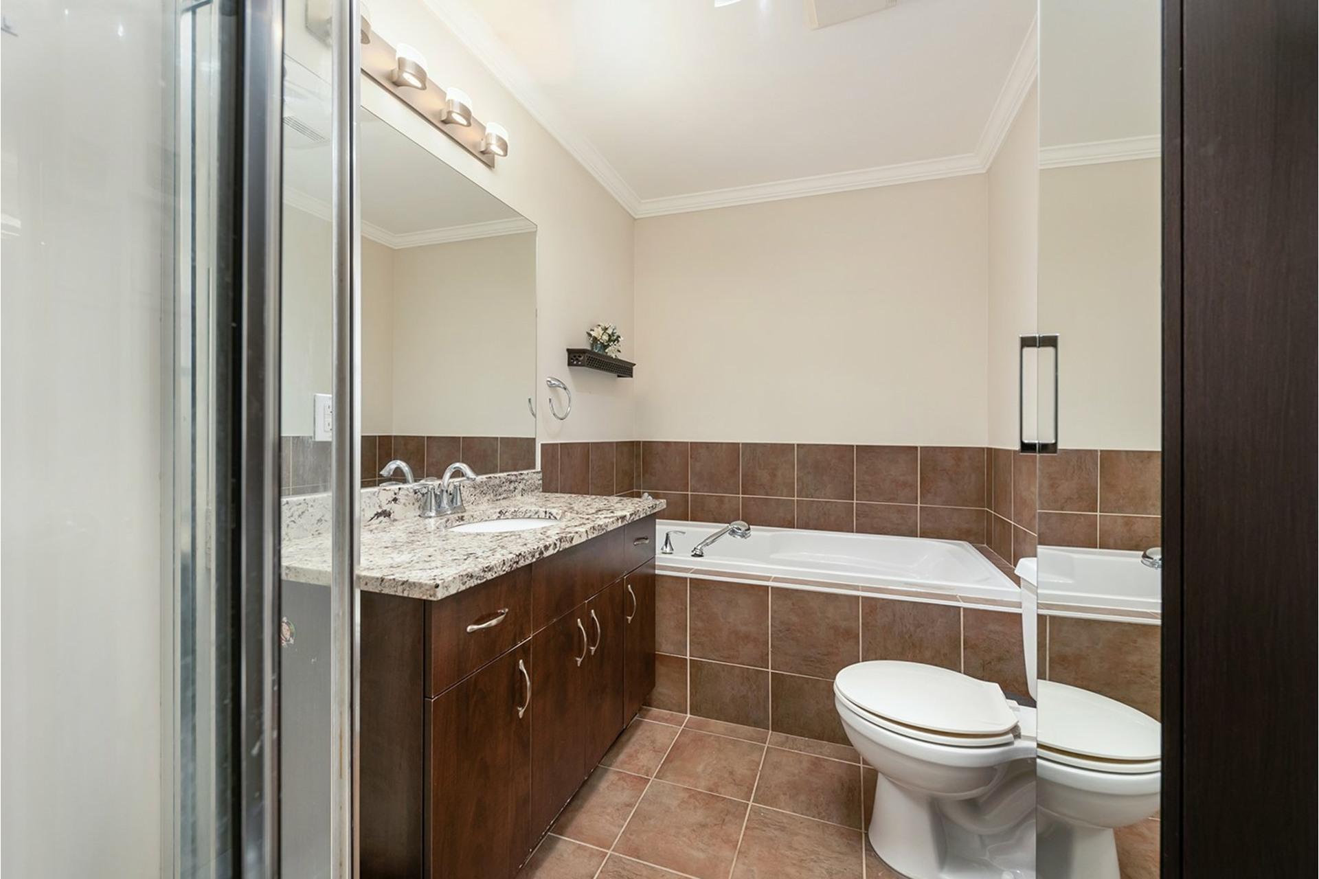 image 14 - Apartment For sale Dollard-Des Ormeaux - 7 rooms