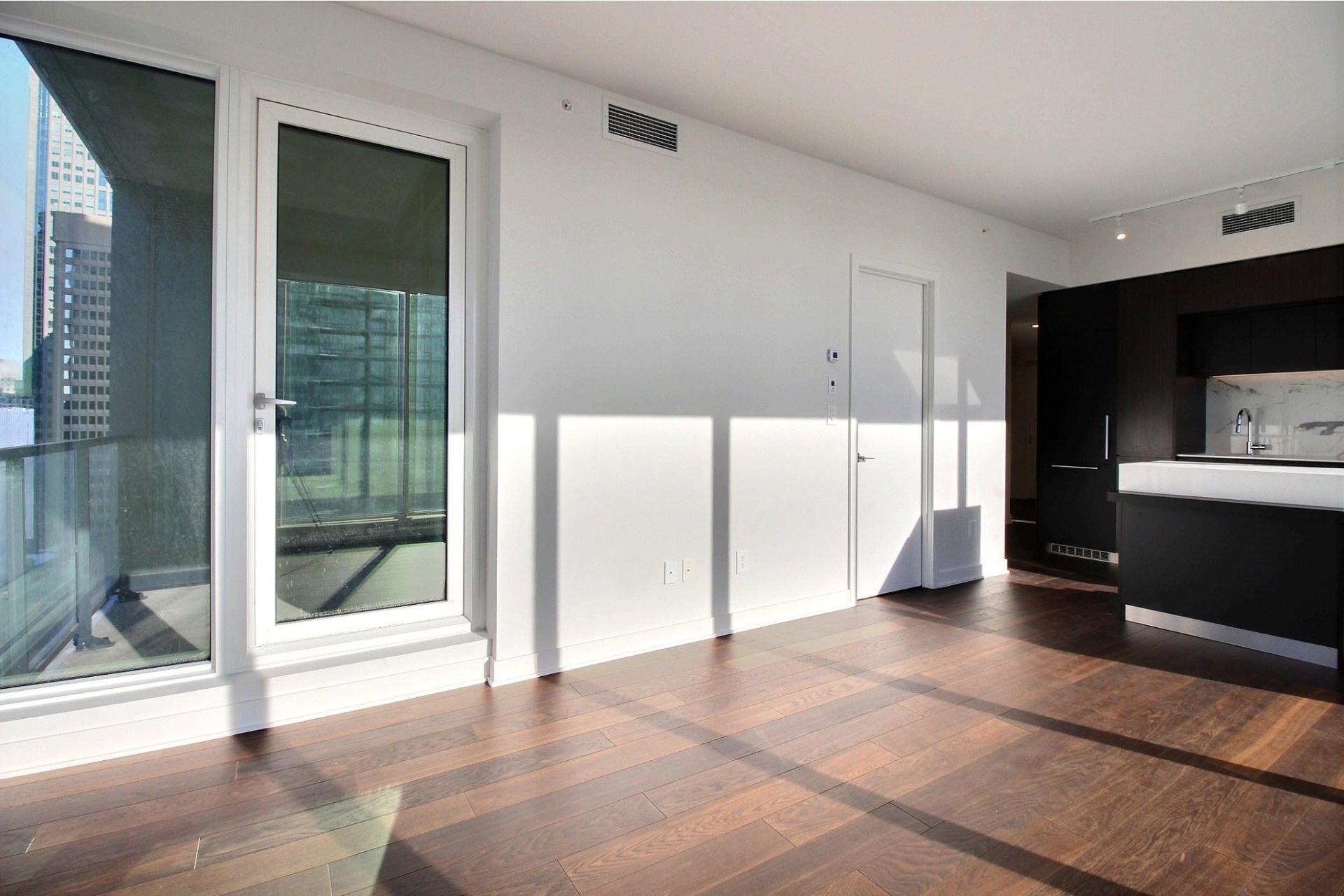 image 4 - Appartement À louer Ville-Marie Montréal  - 7 pièces