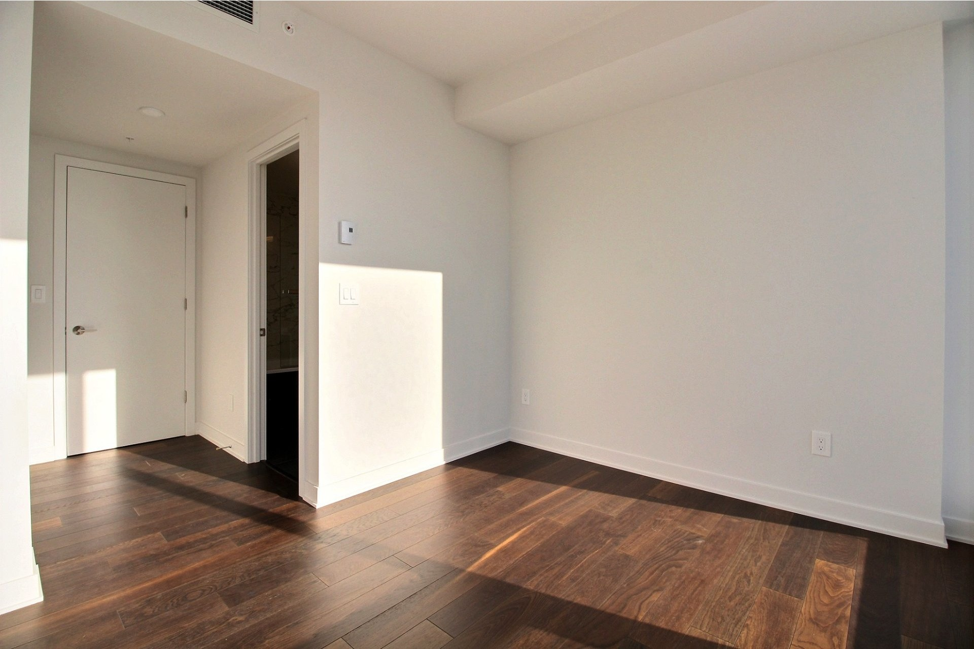 image 12 - Appartement À louer Ville-Marie Montréal  - 7 pièces