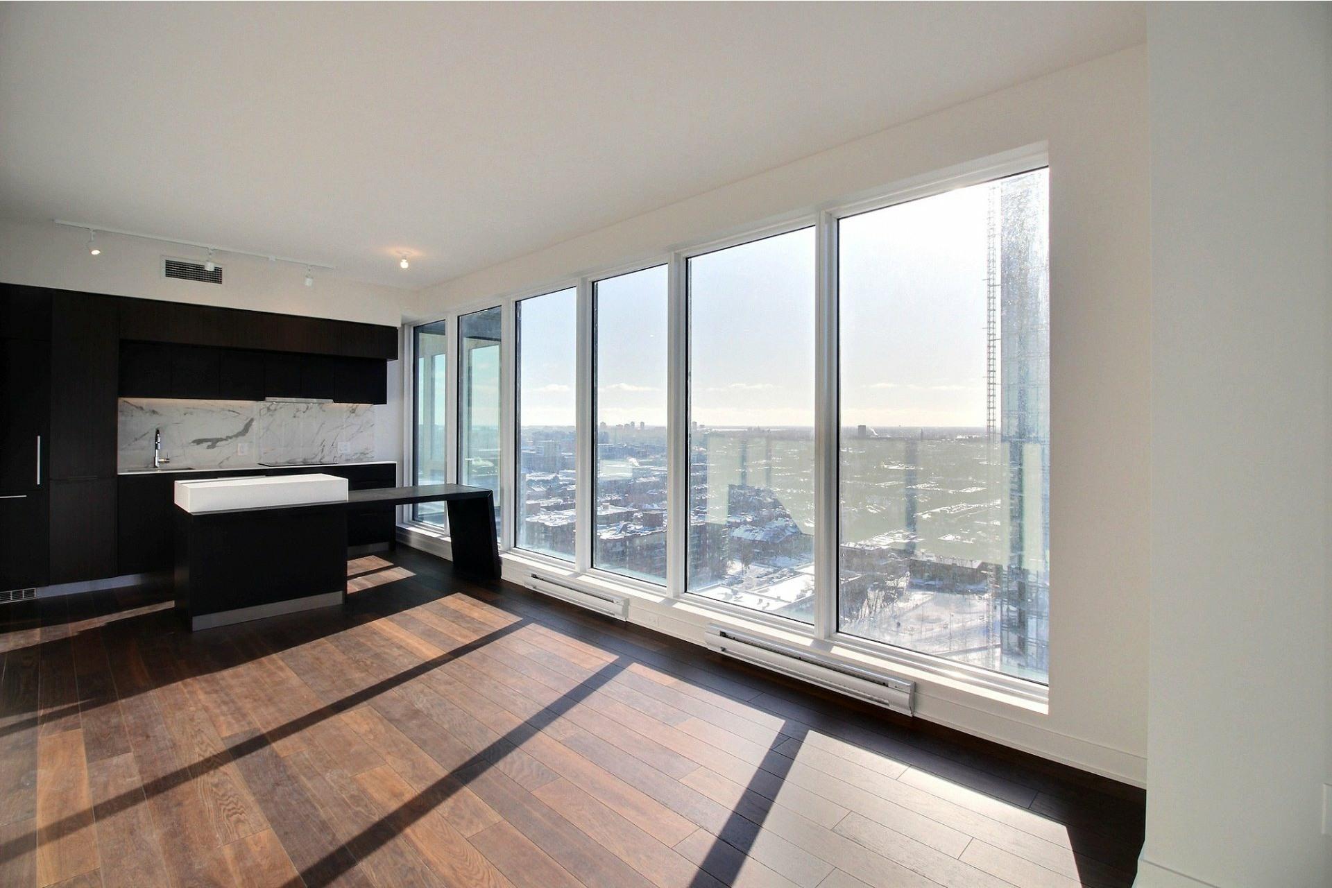 image 3 - Apartment For rent Ville-Marie Montréal  - 7 rooms