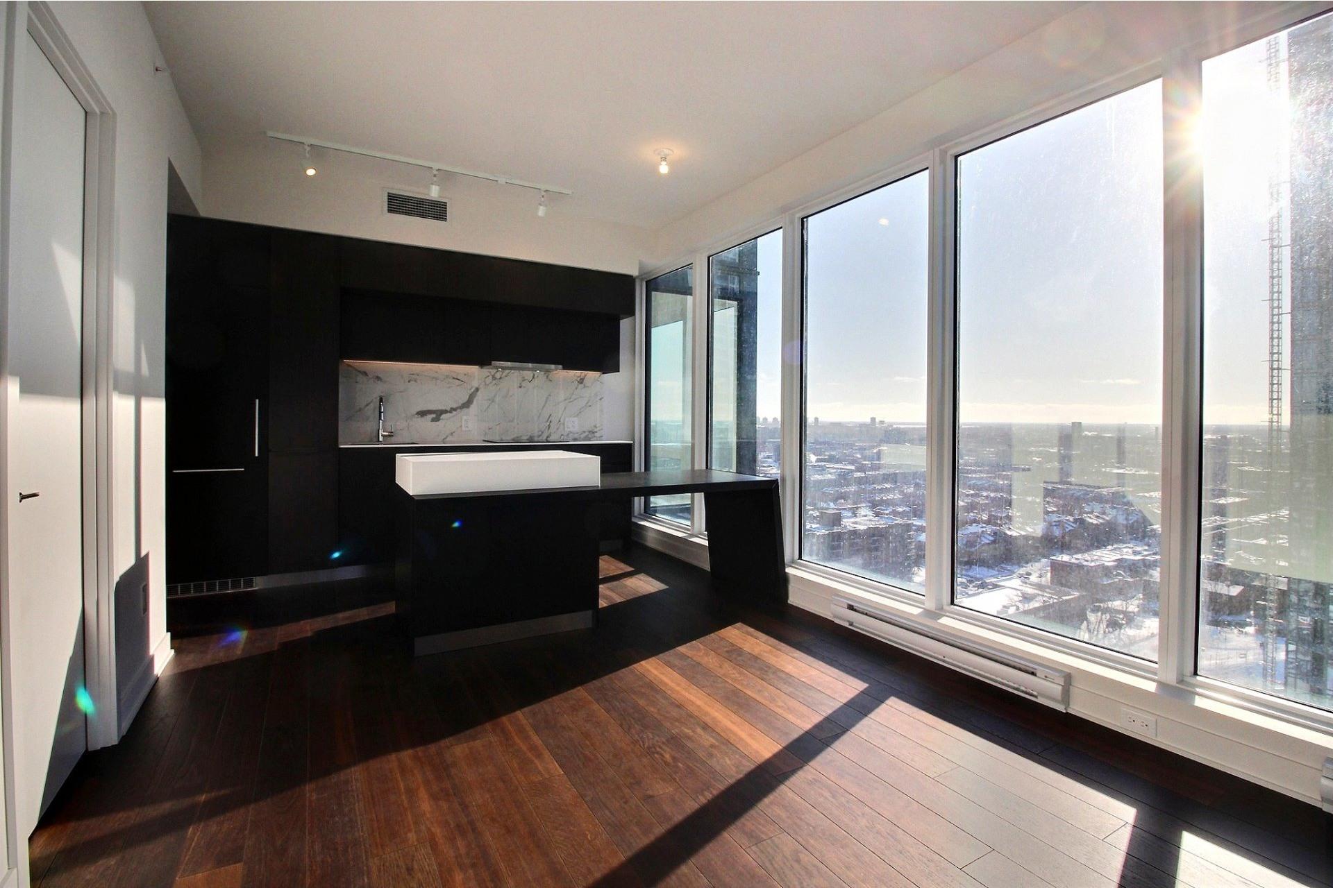 image 6 - Appartement À louer Ville-Marie Montréal  - 7 pièces
