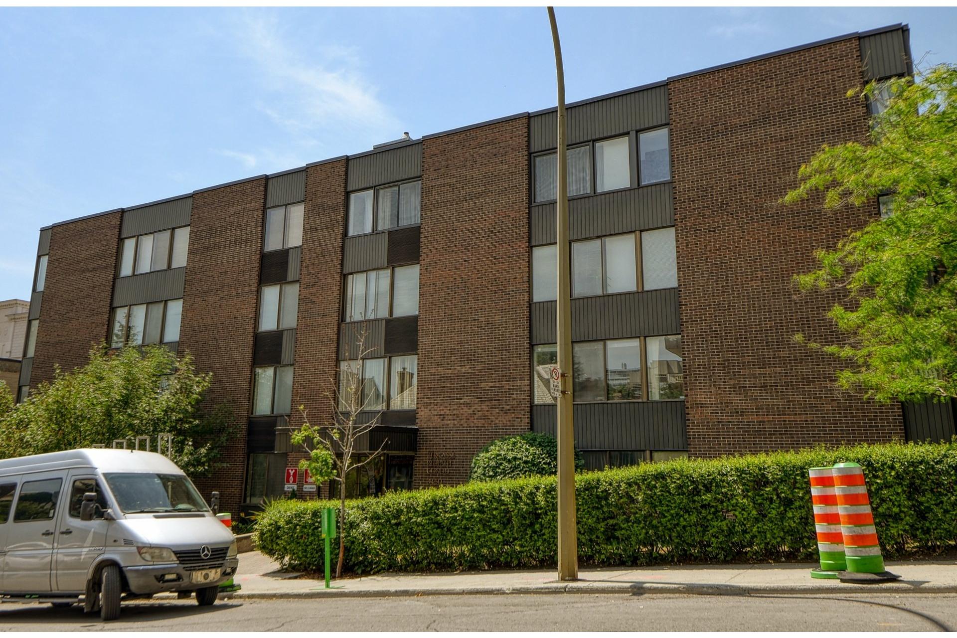 image 23 - Appartement À louer Ville-Marie Montréal  - 7 pièces