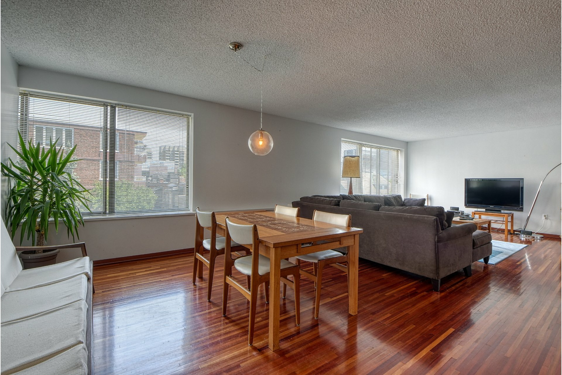 image 9 - Appartement À louer Ville-Marie Montréal  - 7 pièces