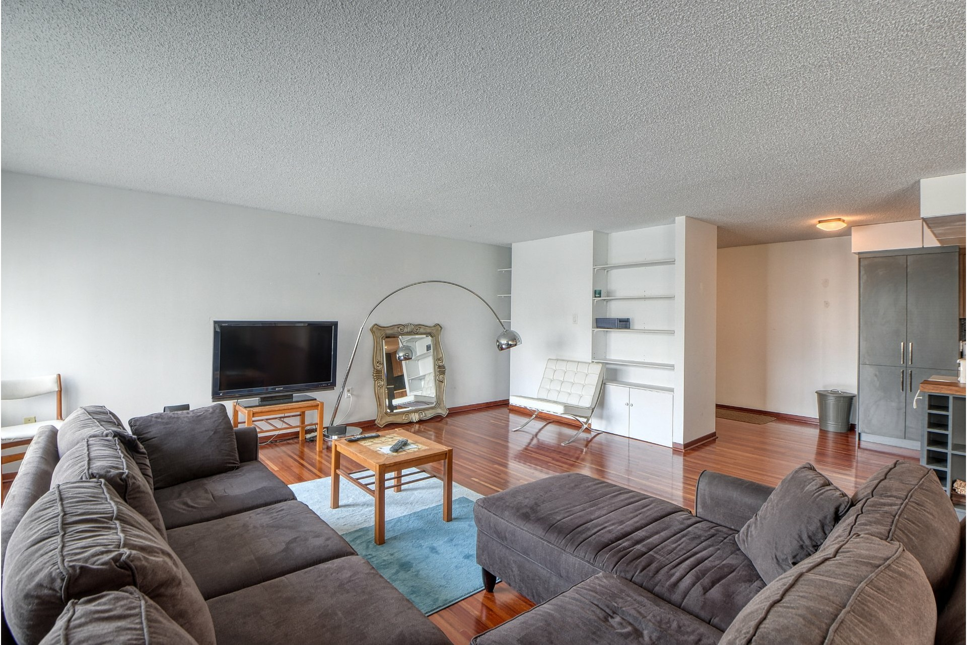 image 5 - Appartement À louer Ville-Marie Montréal  - 7 pièces