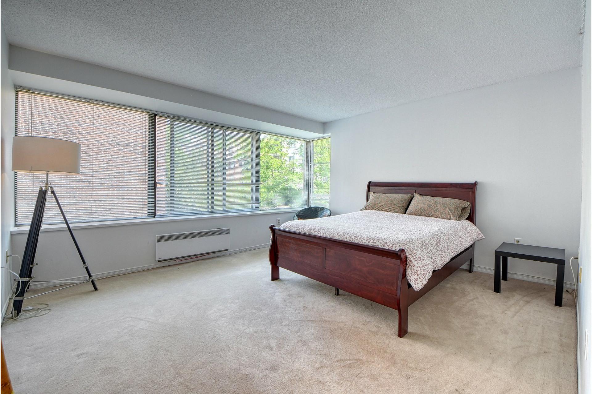 image 14 - Appartement À louer Ville-Marie Montréal  - 7 pièces