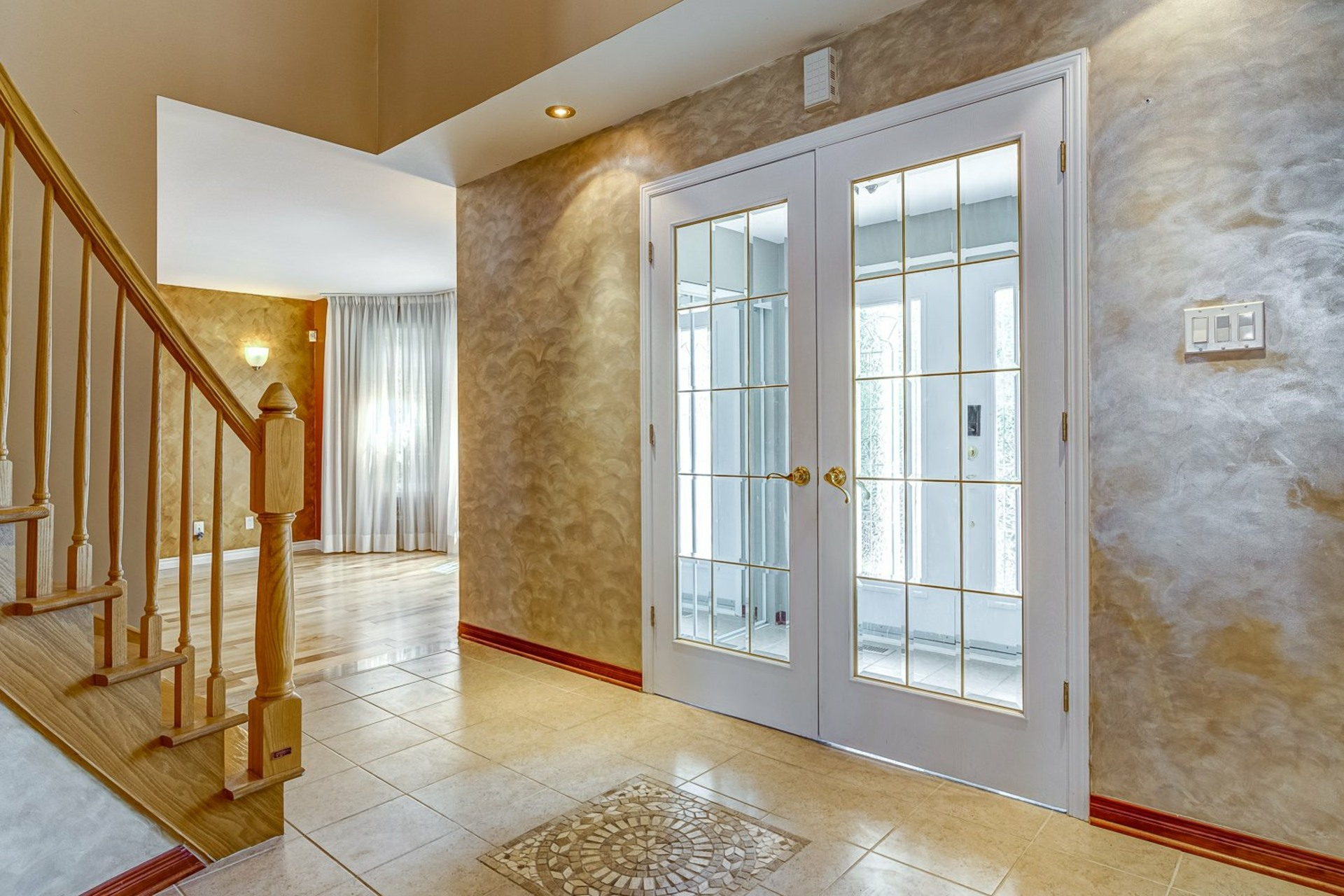 image 2 - House For sale Kirkland - 12 rooms
