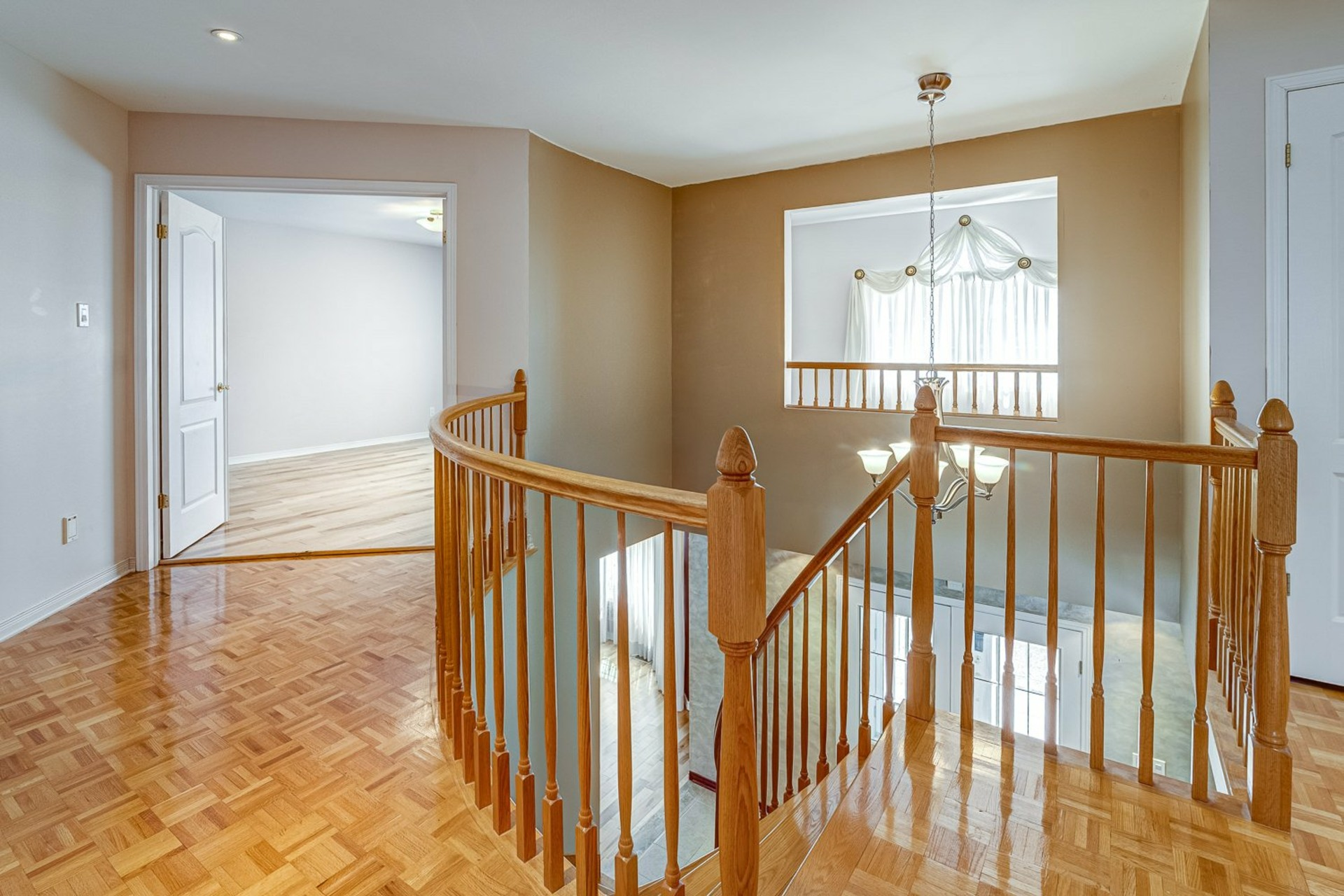 image 16 - House For sale Kirkland - 12 rooms