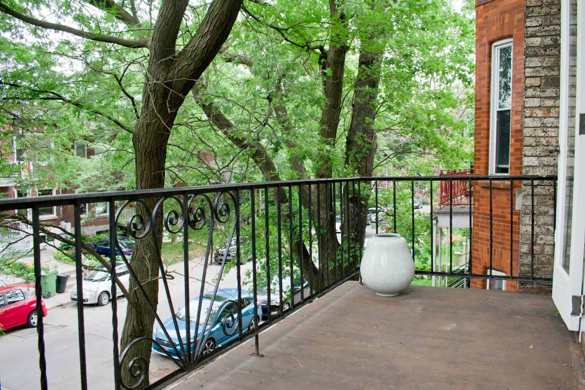 image 16 - Apartment For rent Côte-des-Neiges/Notre-Dame-de-Grâce Montréal  - 6 rooms