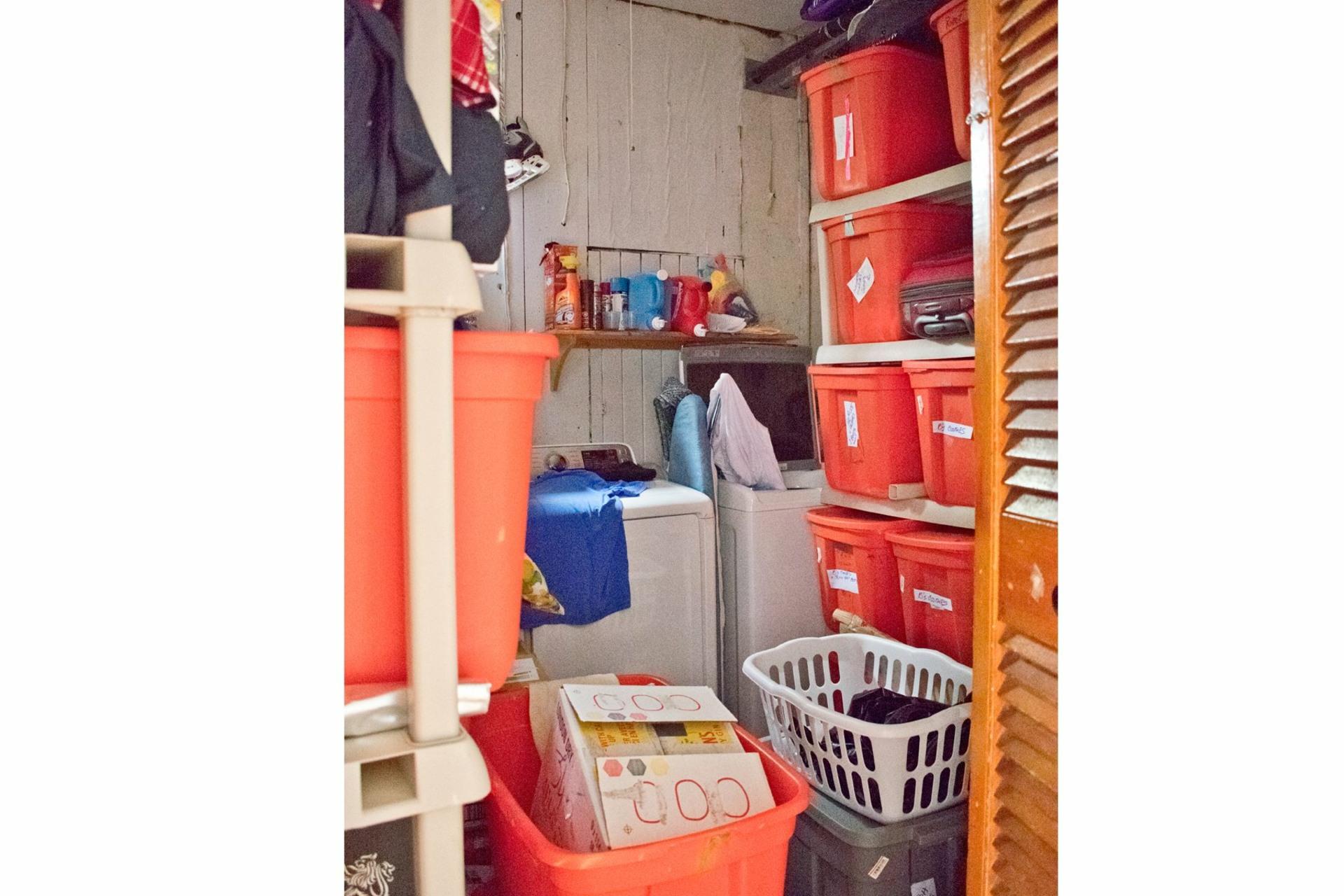image 14 - Apartment For rent Côte-des-Neiges/Notre-Dame-de-Grâce Montréal  - 6 rooms