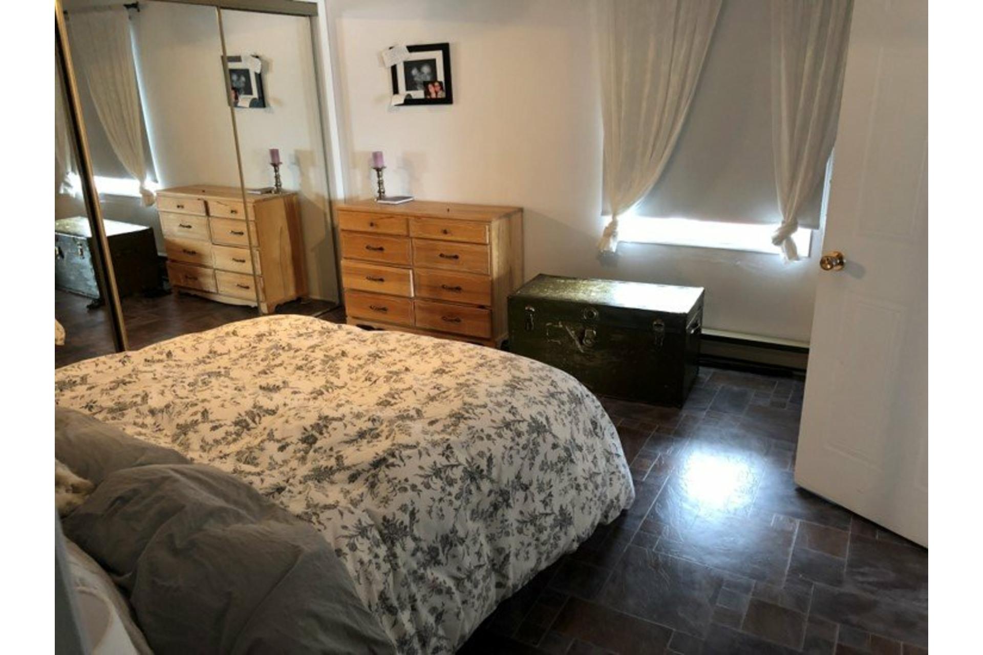 image 14 - Quintuplex For sale Saint-Félix-de-Valois - 5 rooms