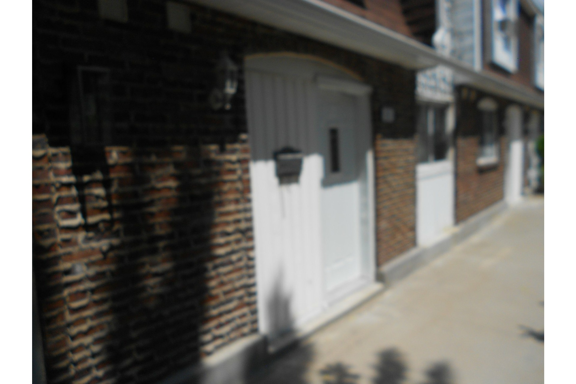 image 2 - House For sale Dollard-Des Ormeaux - 7 rooms