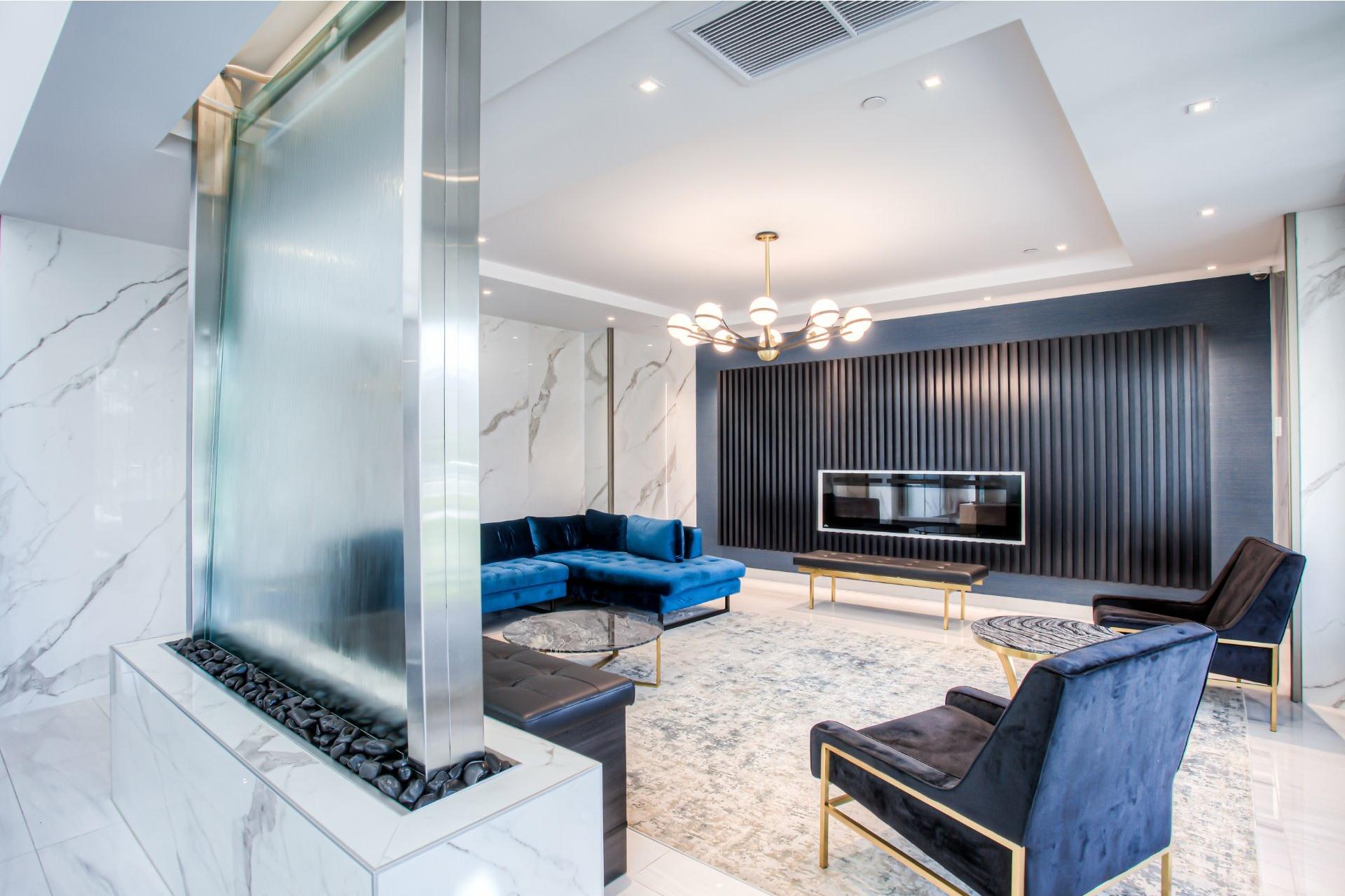 image 1 - Appartement À vendre Chomedey Laval  - 10 pièces
