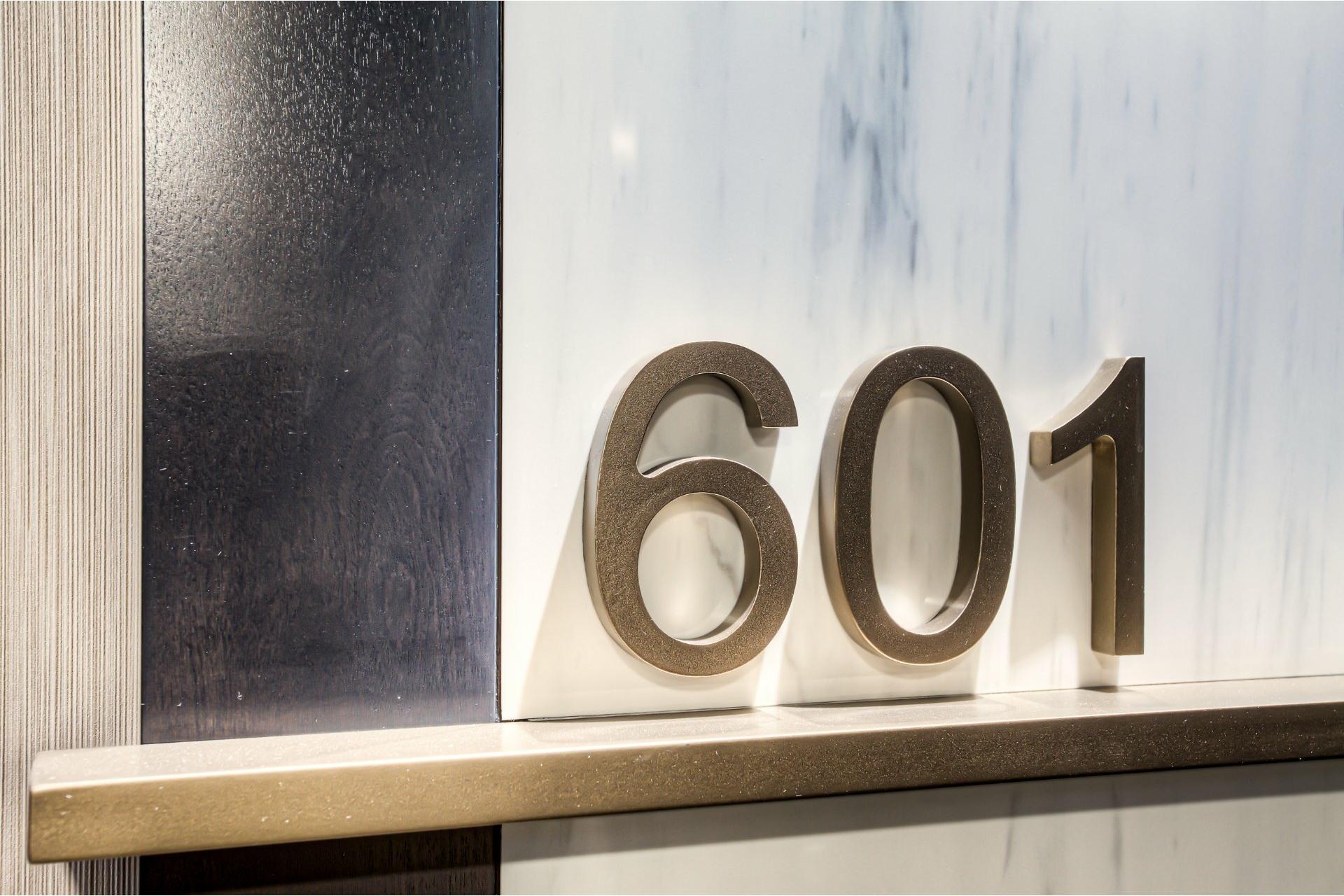 image 2 - Appartement À vendre Chomedey Laval  - 10 pièces