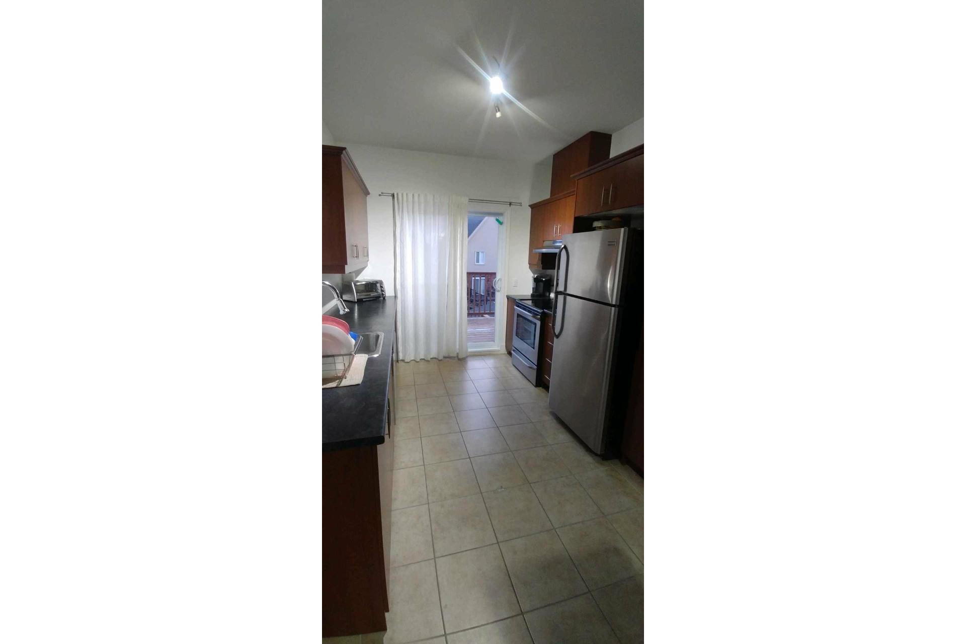 image 4 - Appartement À vendre Sainte-Dorothée Laval  - 7 pièces