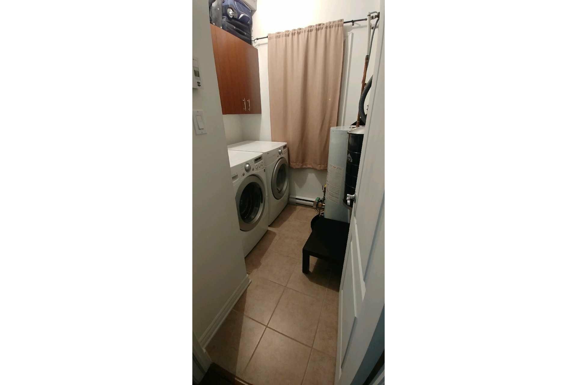 image 15 - Appartement À vendre Sainte-Dorothée Laval  - 7 pièces