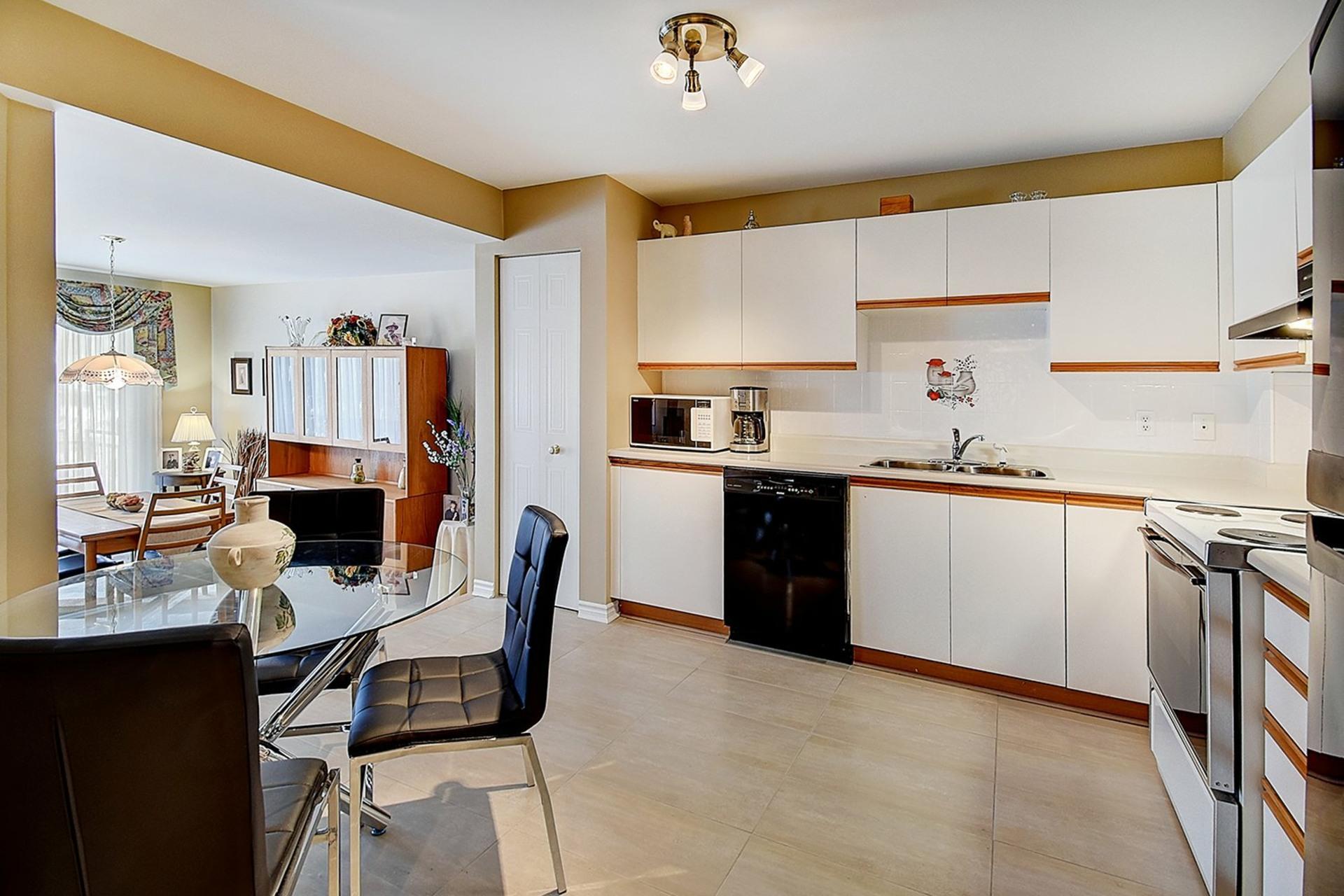 image 3 - Appartement À vendre LaSalle Montréal  - 7 pièces