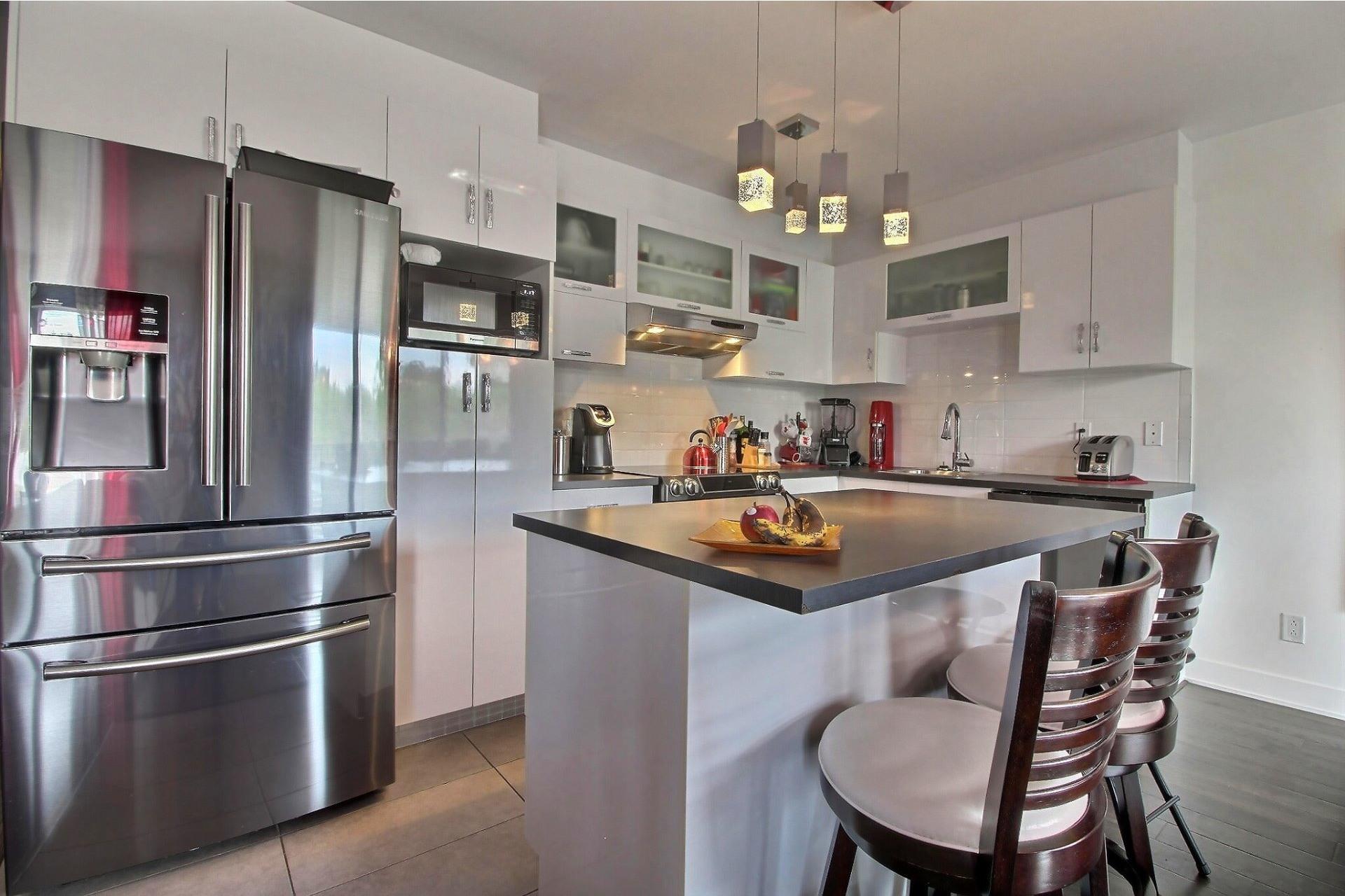 image 6 - Apartment For sale Rivière-des-Prairies/Pointe-aux-Trembles Montréal  - 9 rooms