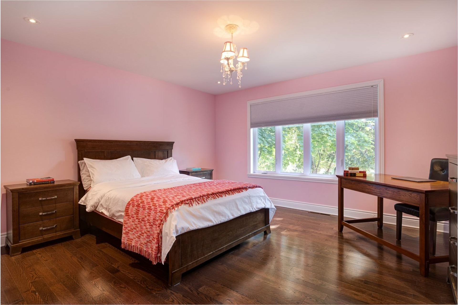 image 23 - House For sale Beaconsfield - 11 rooms