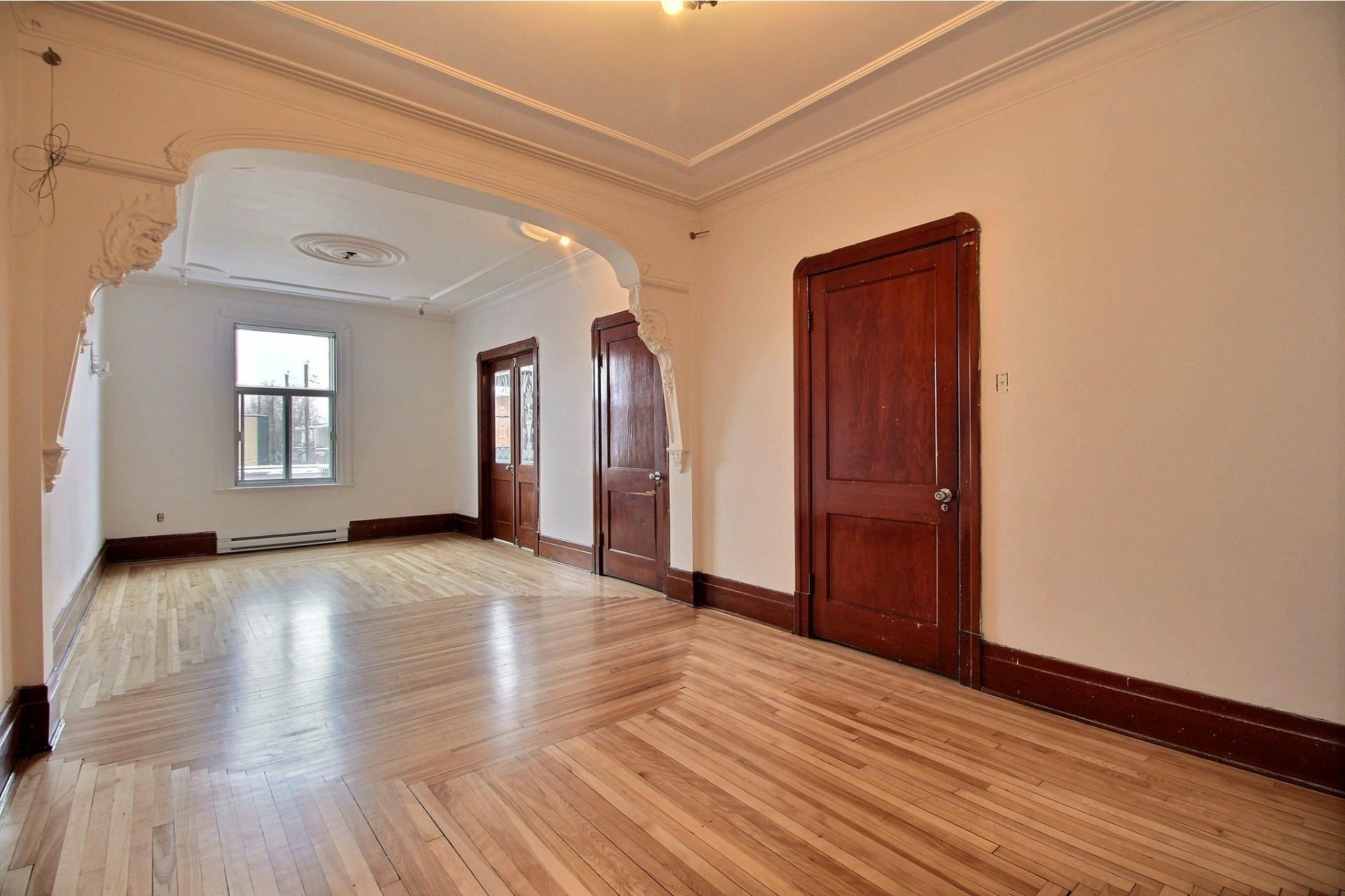 image 0 - Apartment For rent Rosemont/La Petite-Patrie Montréal  - 8 rooms