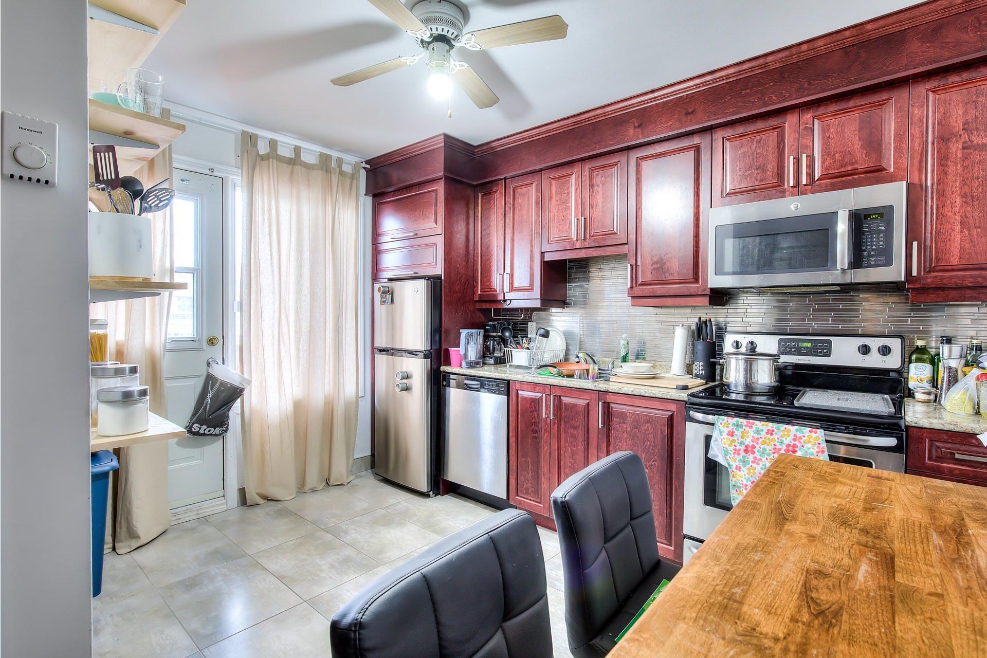 image 4 - Income property For sale Villeray/Saint-Michel/Parc-Extension Montréal  - 4 rooms