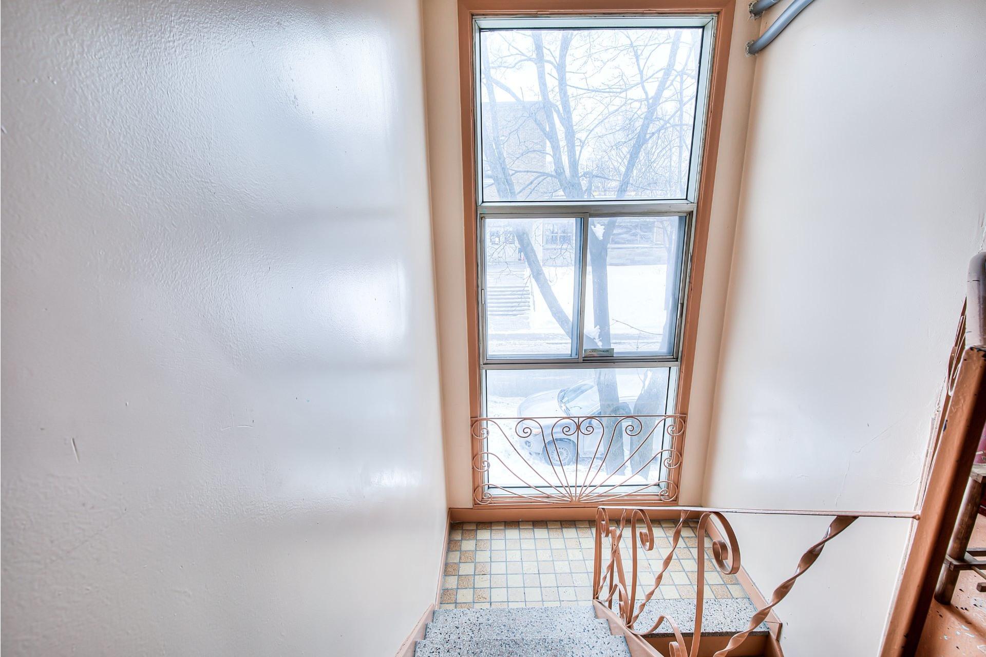 image 33 - Income property For sale Villeray/Saint-Michel/Parc-Extension Montréal  - 4 rooms