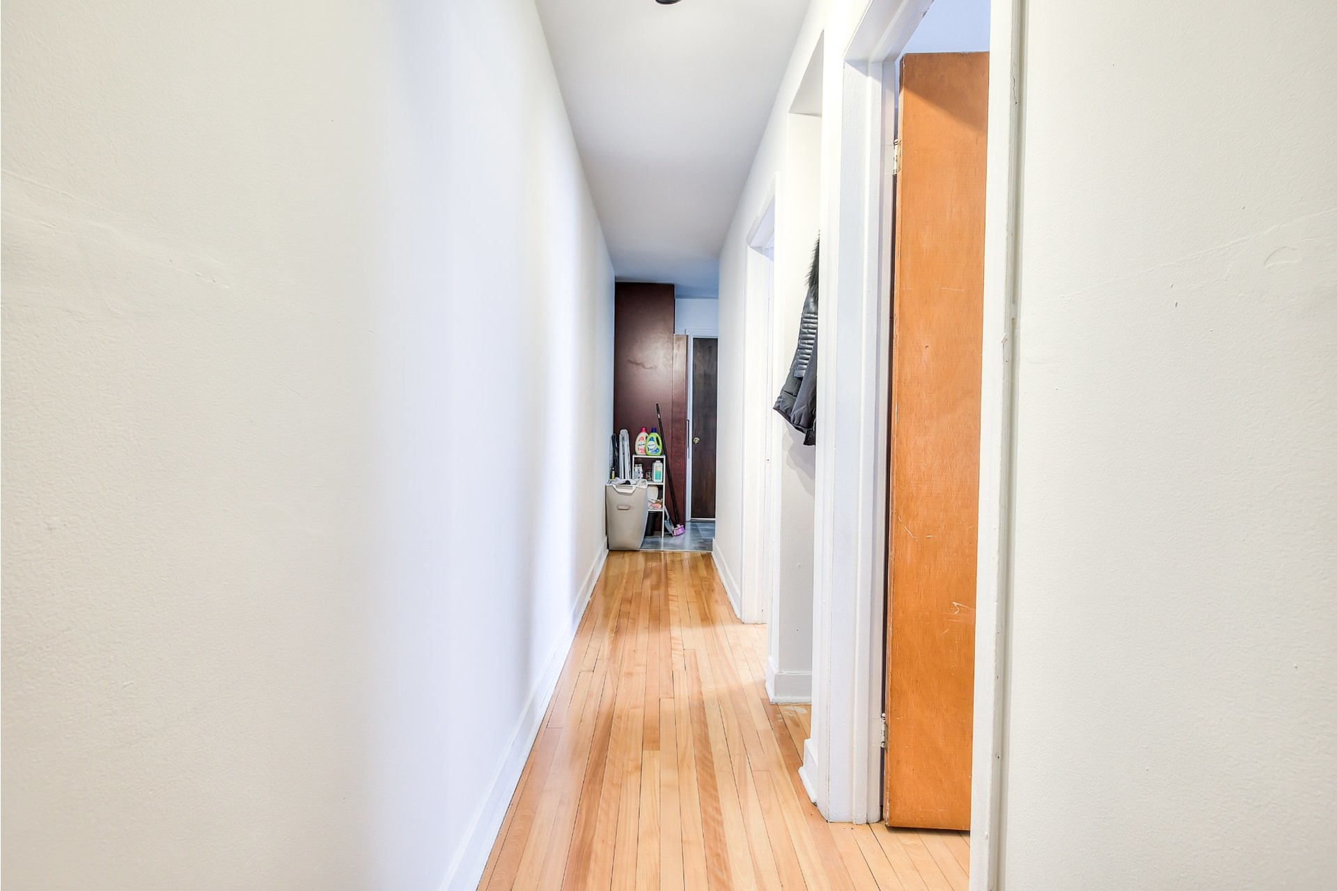 image 10 - Income property For sale Villeray/Saint-Michel/Parc-Extension Montréal  - 4 rooms