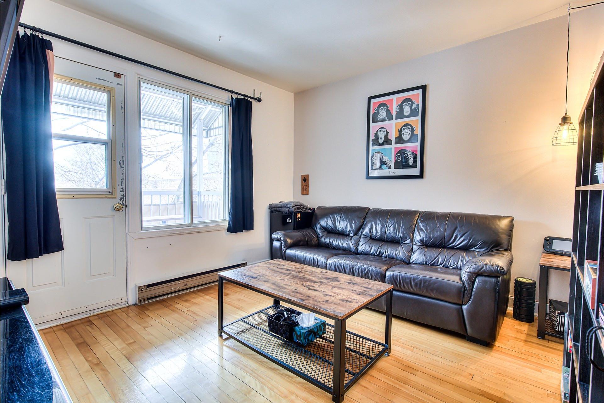 image 11 - Income property For sale Villeray/Saint-Michel/Parc-Extension Montréal  - 4 rooms