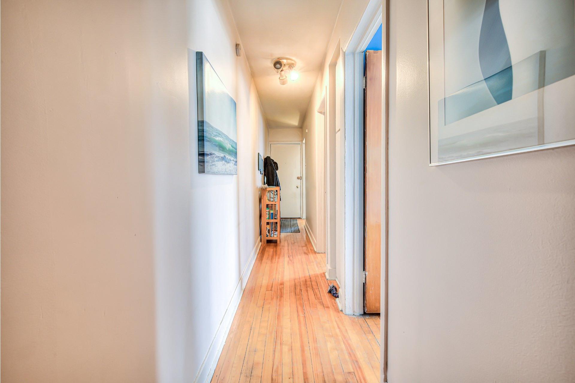 image 31 - Income property For sale Villeray/Saint-Michel/Parc-Extension Montréal  - 4 rooms