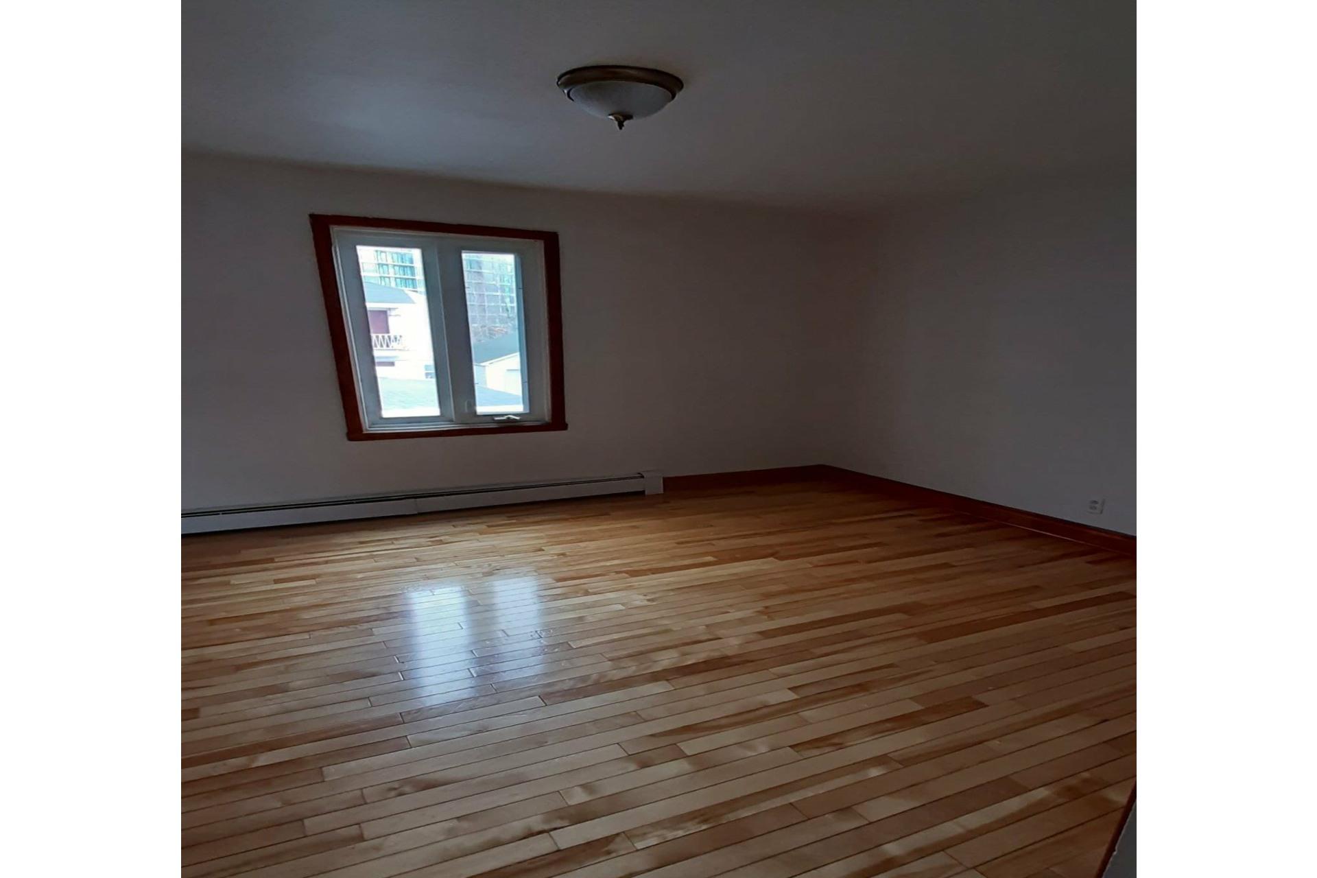 image 4 - Duplex For sale Joliette - 5 rooms