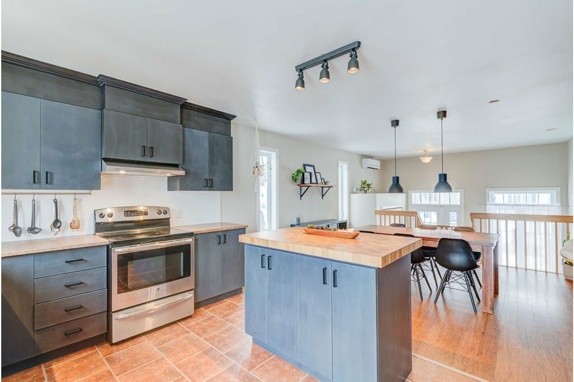 image 11 - House For sale Saint-Lin/Laurentides - 10 rooms