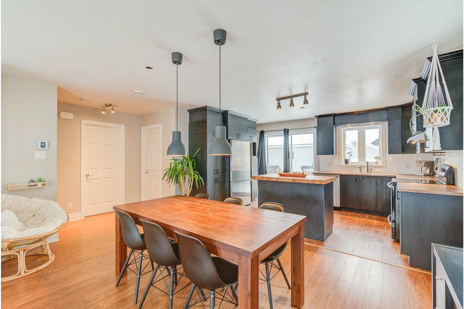 image 1 - House For sale Saint-Lin/Laurentides - 10 rooms