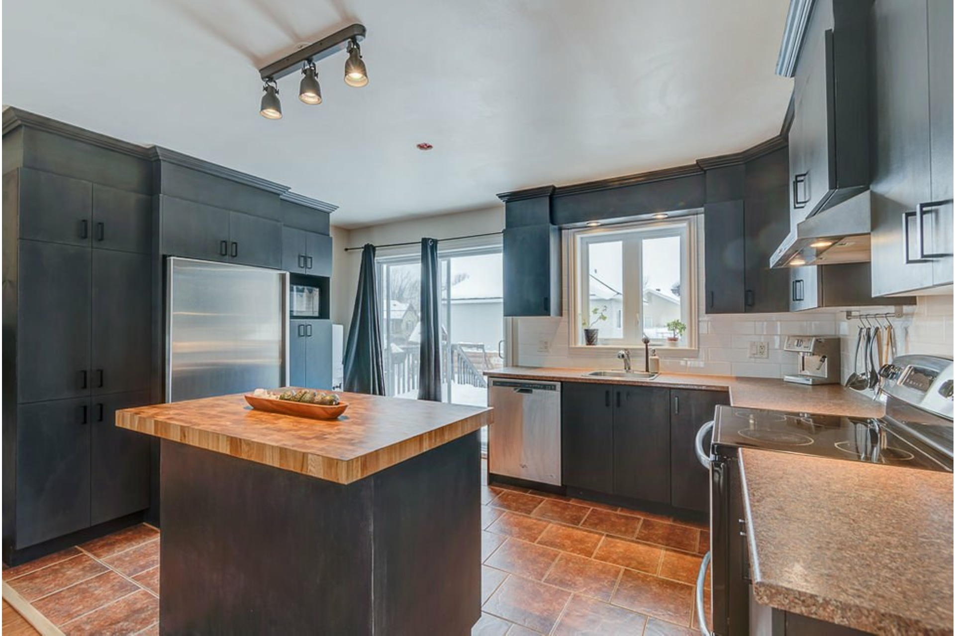 image 6 - House For sale Saint-Lin/Laurentides - 10 rooms