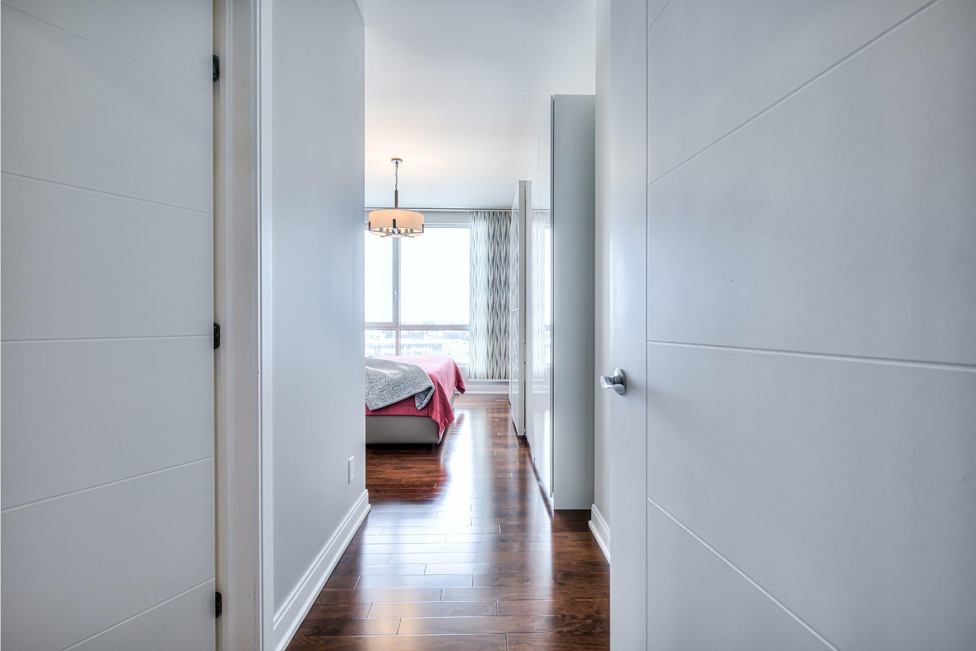 image 15 - Appartement À vendre Chomedey Laval  - 9 pièces