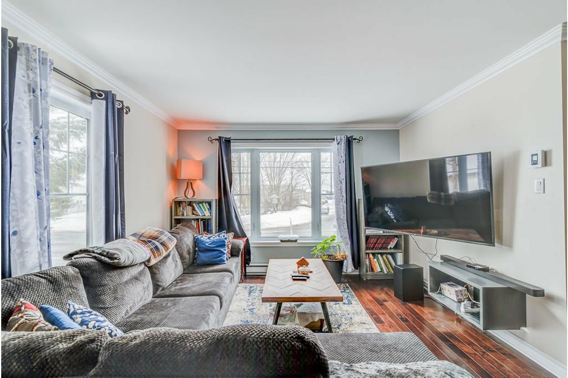 image 3 - House For sale Sainte-Anne-des-Plaines - 9 rooms