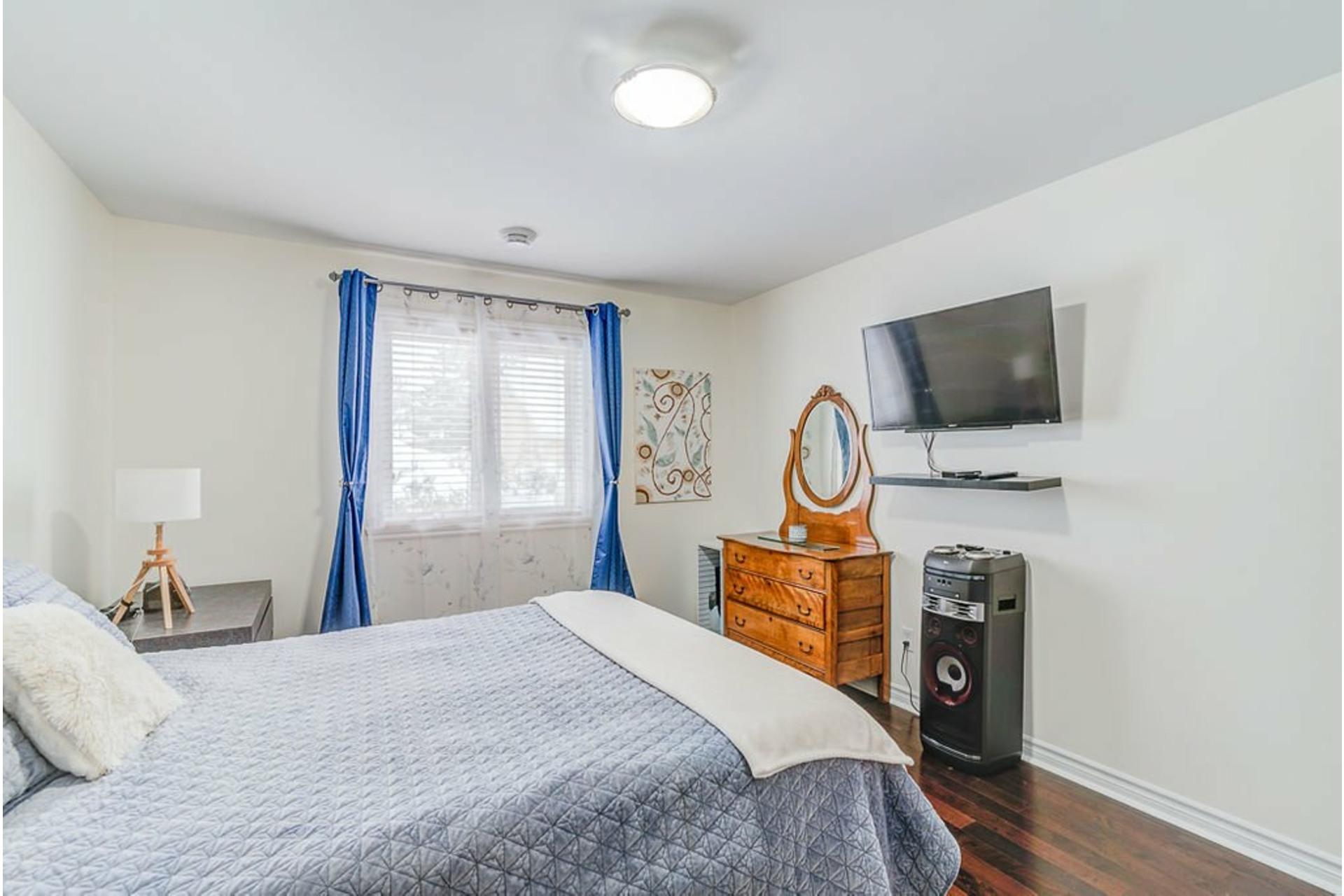 image 12 - House For sale Sainte-Anne-des-Plaines - 9 rooms