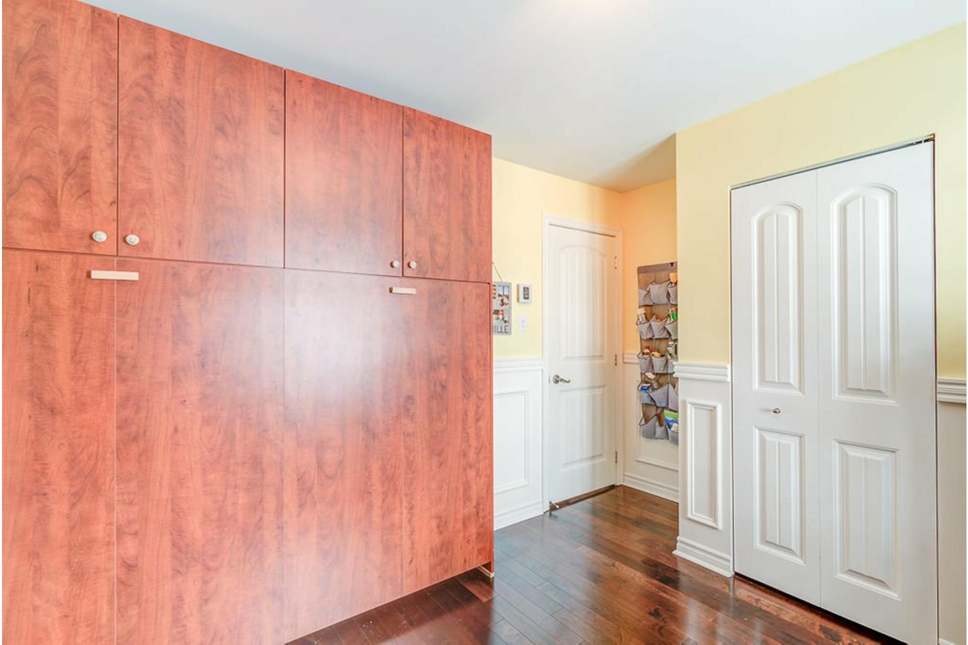 image 16 - House For sale Sainte-Anne-des-Plaines - 9 rooms