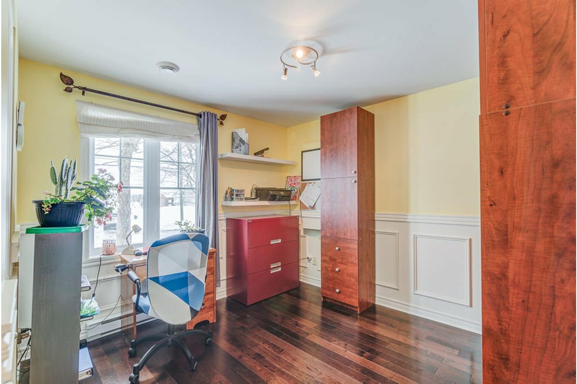 image 14 - House For sale Sainte-Anne-des-Plaines - 9 rooms