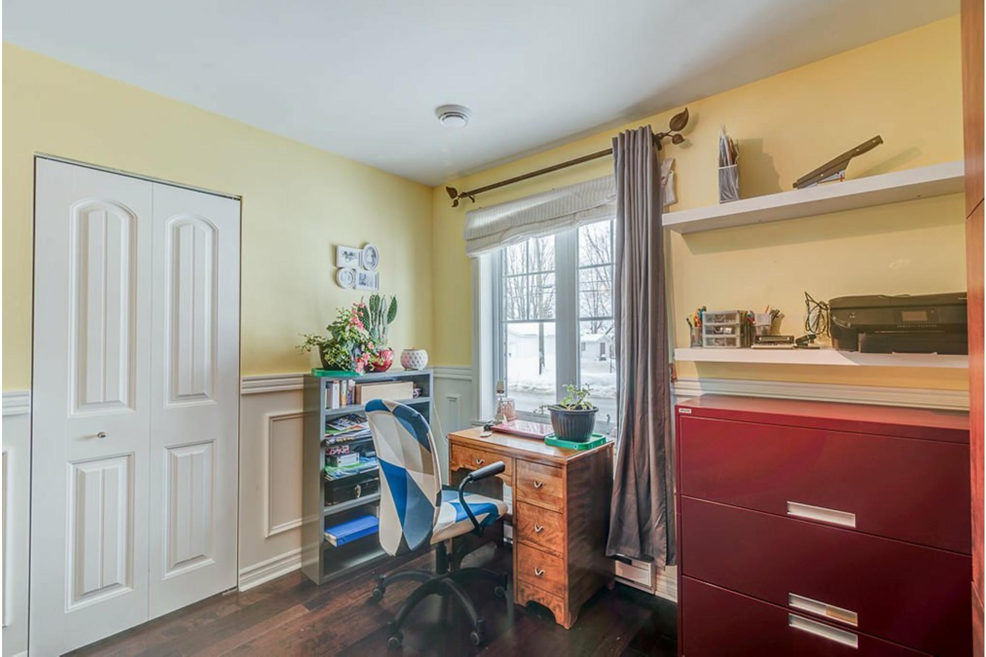 image 15 - House For sale Sainte-Anne-des-Plaines - 9 rooms