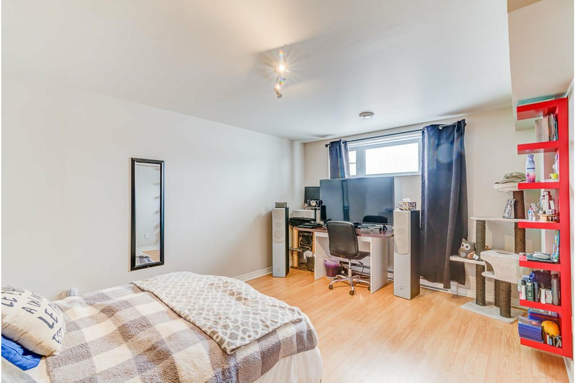 image 17 - House For sale Sainte-Anne-des-Plaines - 9 rooms