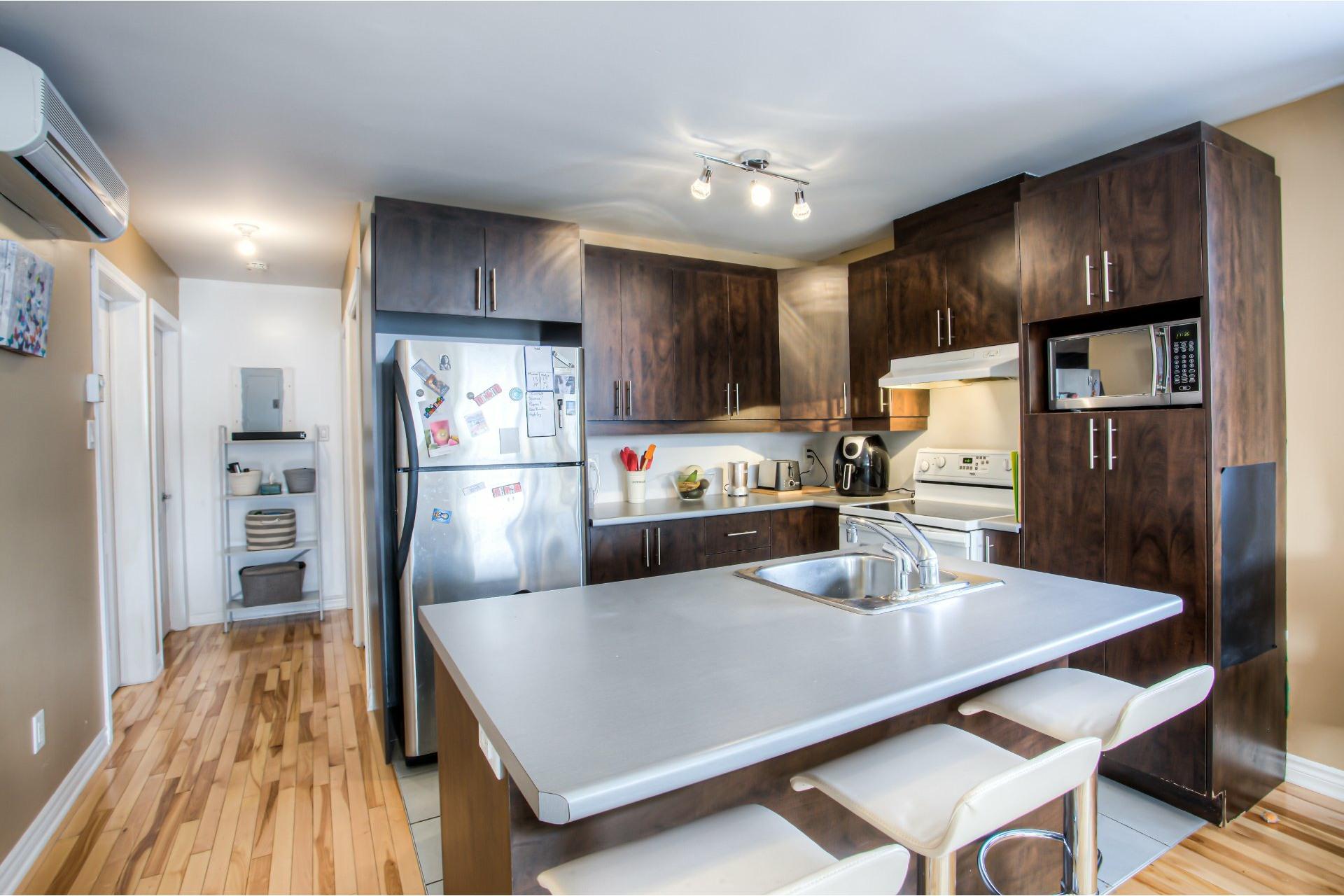 image 13 - Departamento Para alquiler Villeray/Saint-Michel/Parc-Extension Montréal  - 5 habitaciones