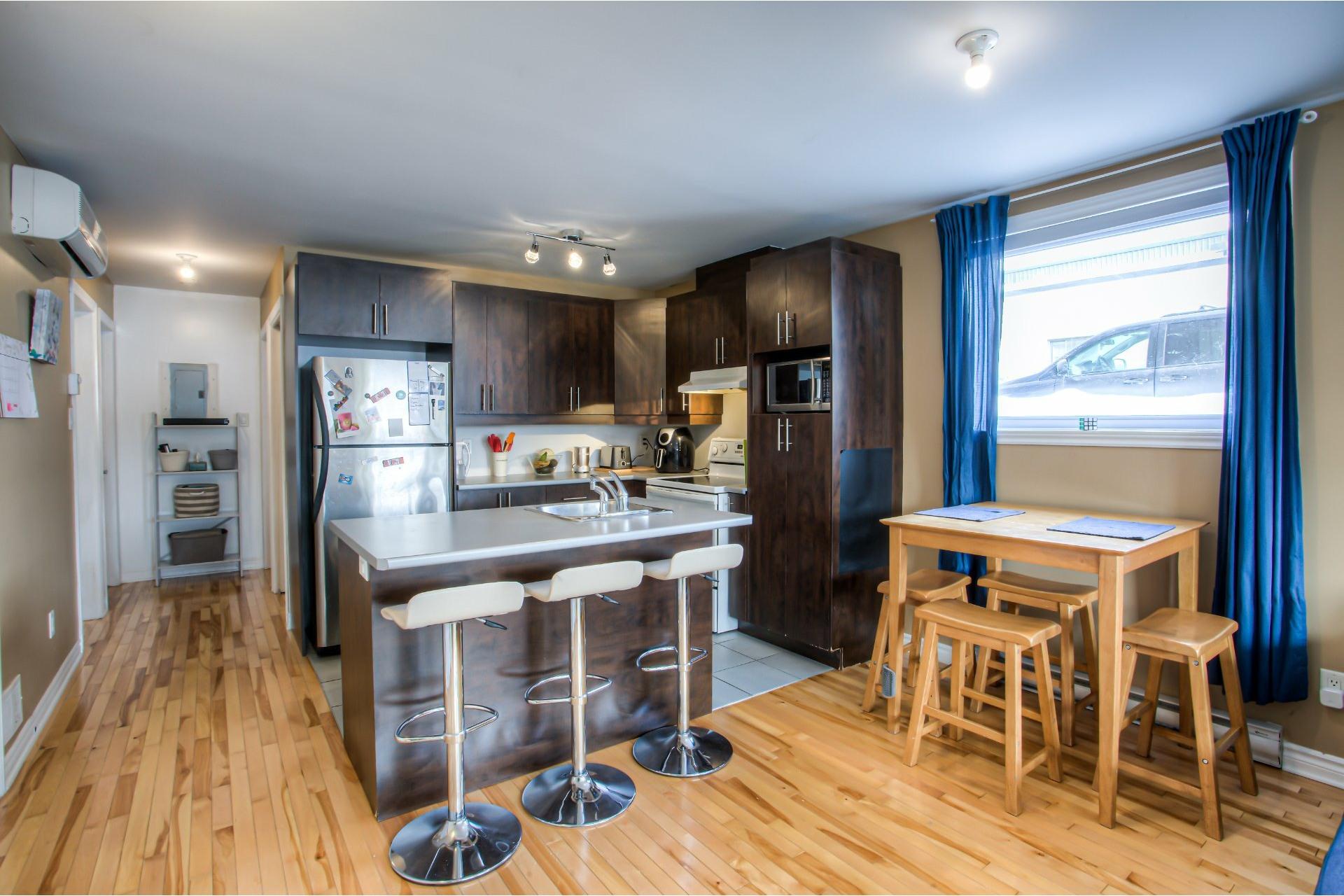 image 10 - Departamento Para alquiler Villeray/Saint-Michel/Parc-Extension Montréal  - 5 habitaciones