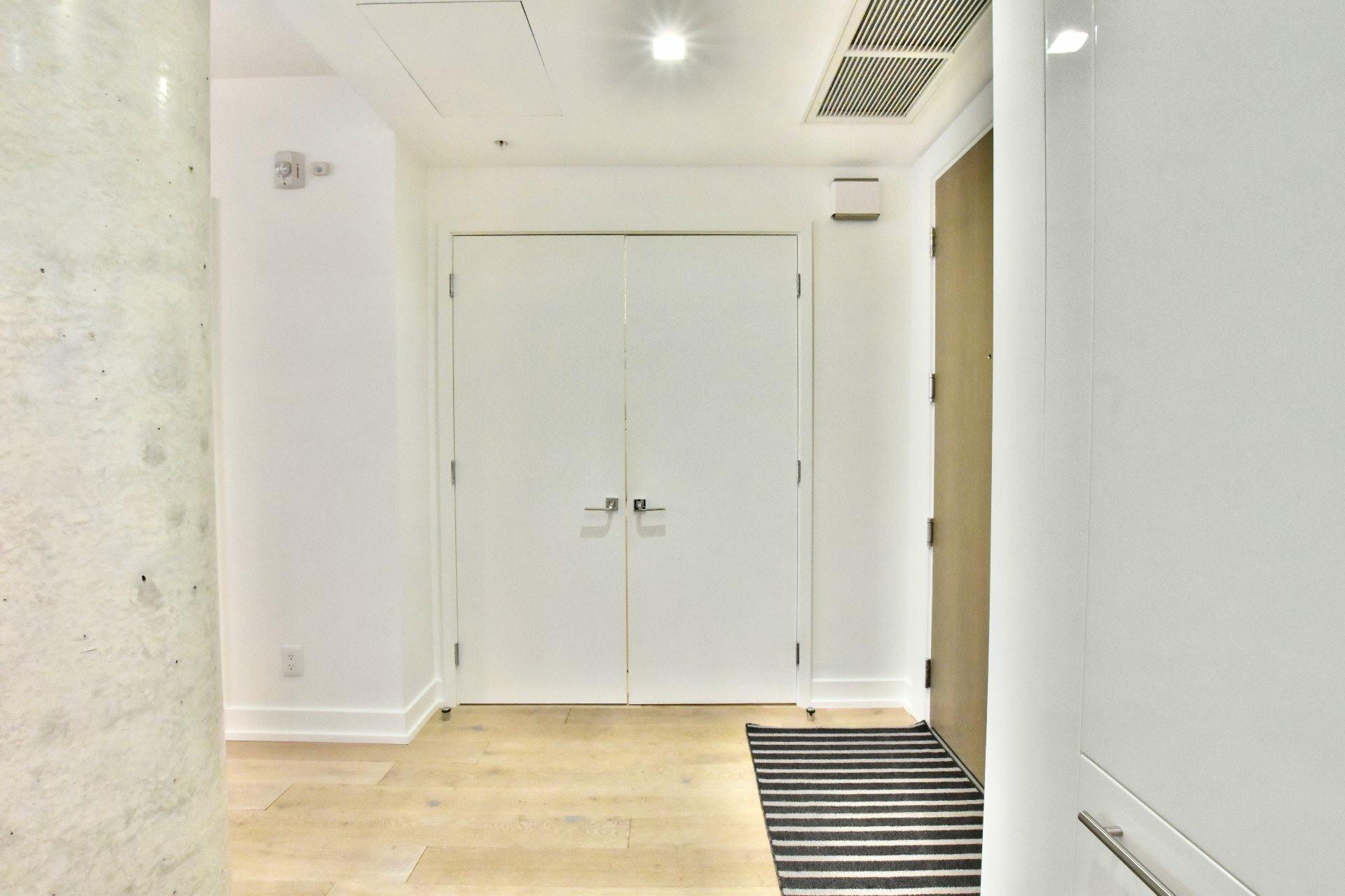 image 14 - Apartment For rent Le Sud-Ouest Montréal  - 6 rooms
