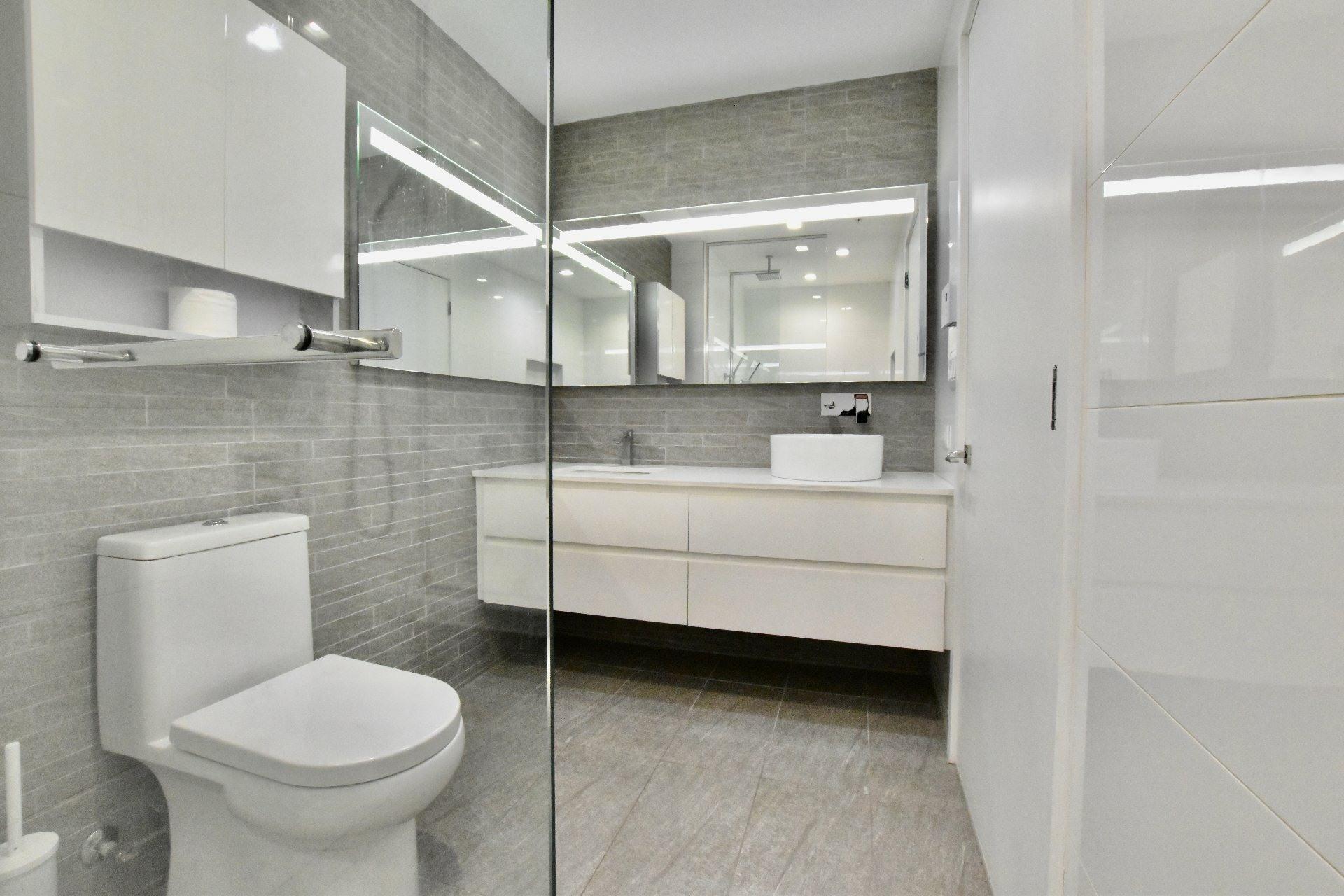 image 11 - Apartment For rent Le Sud-Ouest Montréal  - 6 rooms