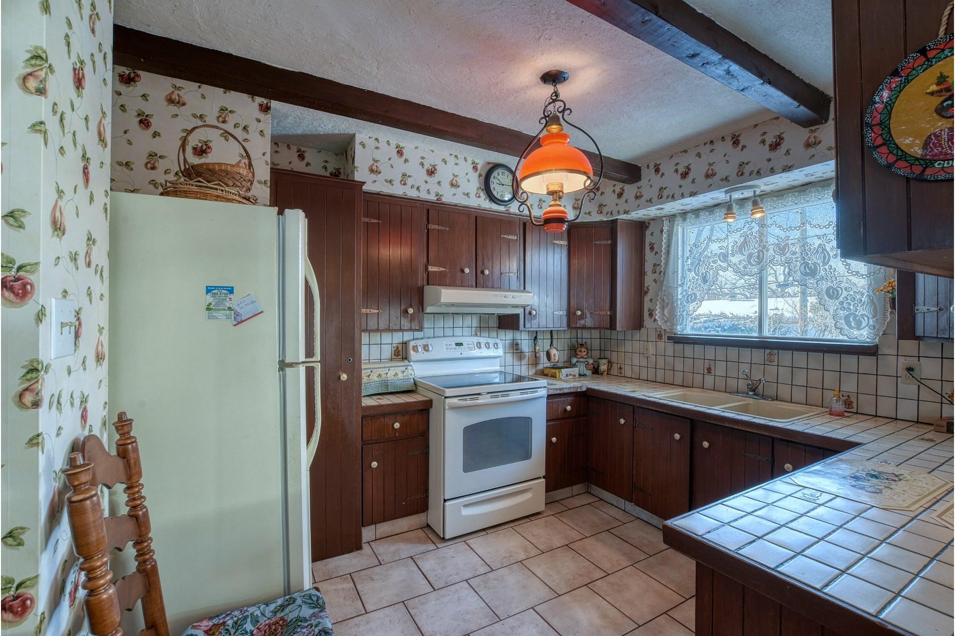 image 5 - House For sale Saint-Vincent-de-Paul Laval  - 18 rooms