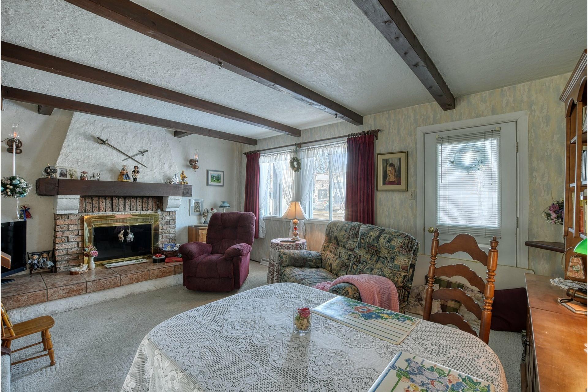 image 2 - House For sale Saint-Vincent-de-Paul Laval  - 18 rooms