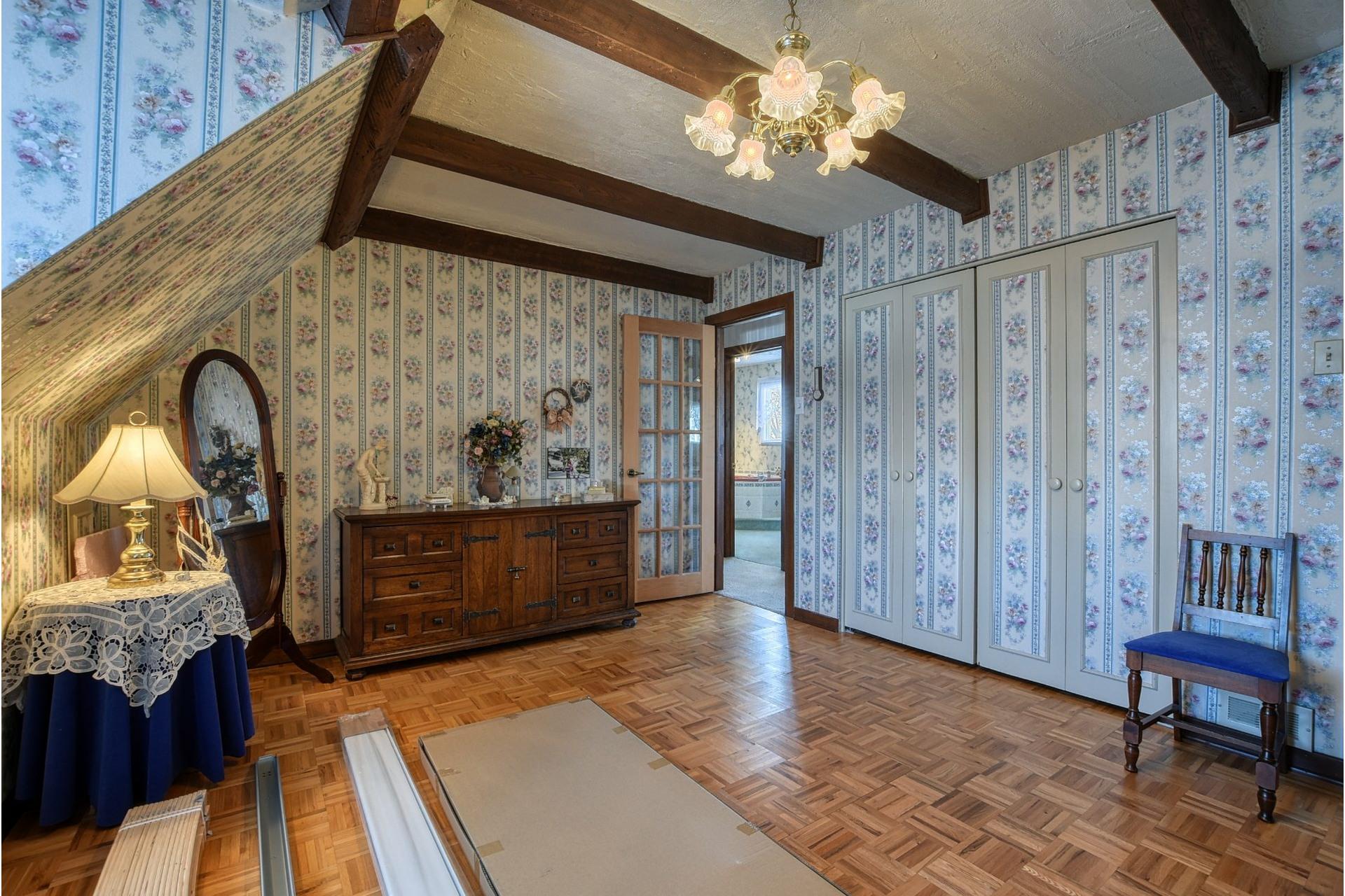 image 11 - Maison À vendre Saint-Vincent-de-Paul Laval  - 18 pièces