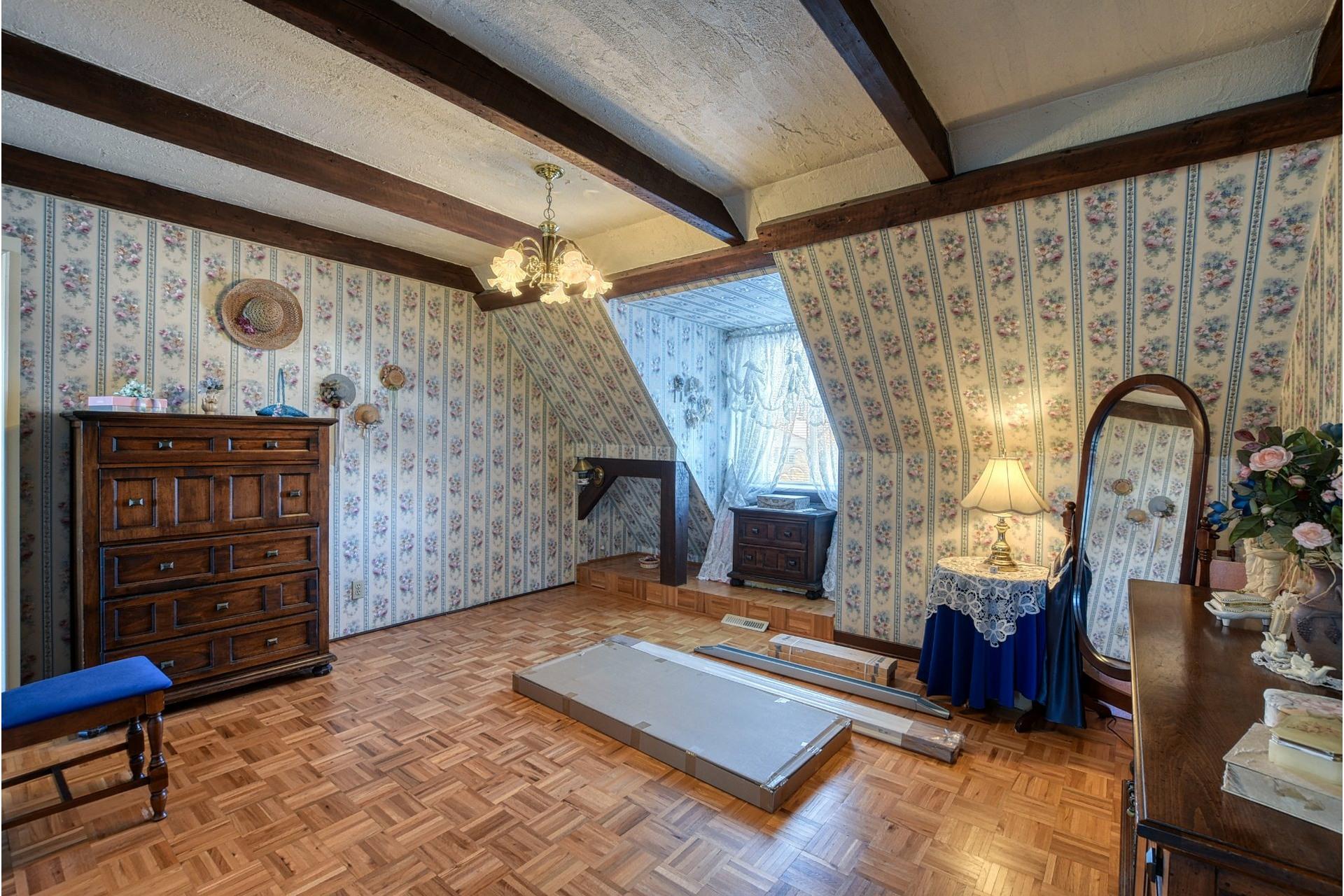 image 10 - House For sale Saint-Vincent-de-Paul Laval  - 18 rooms