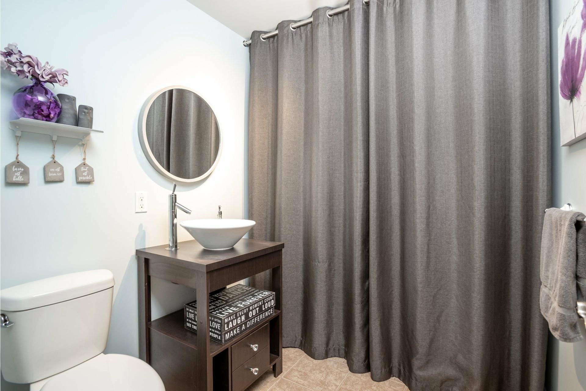 image 9 - Appartement À vendre Charlesbourg Québec  - 9 pièces