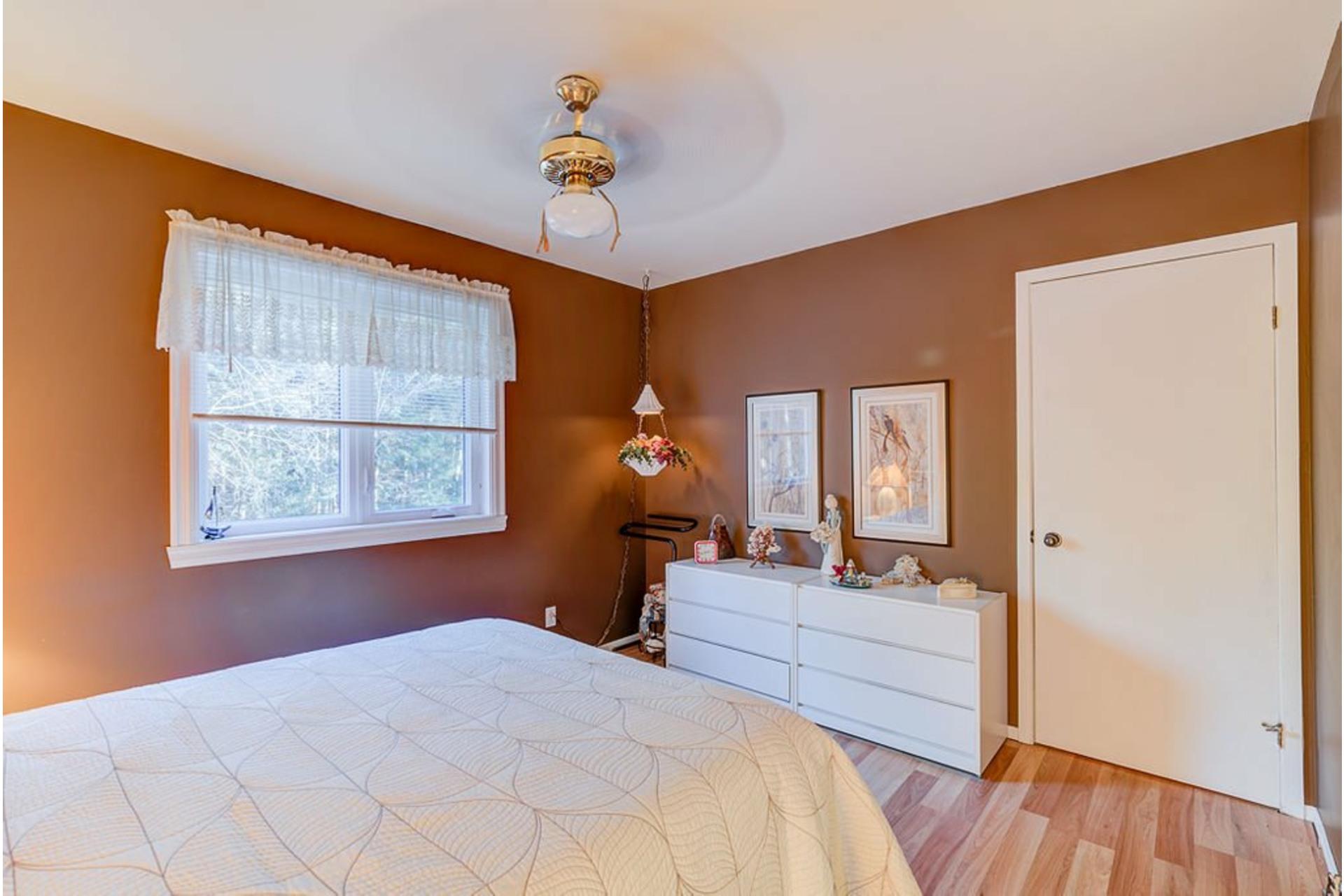 image 16 - House For sale Sainte-Anne-des-Plaines - 12 rooms