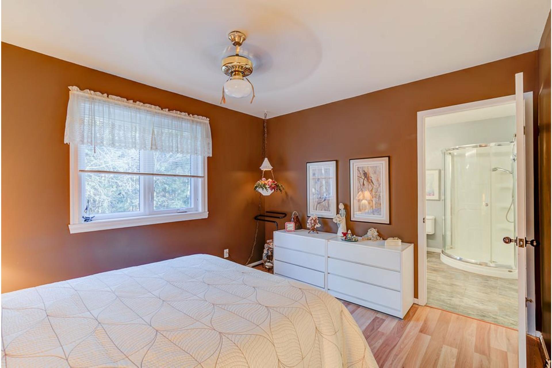 image 17 - House For sale Sainte-Anne-des-Plaines - 12 rooms